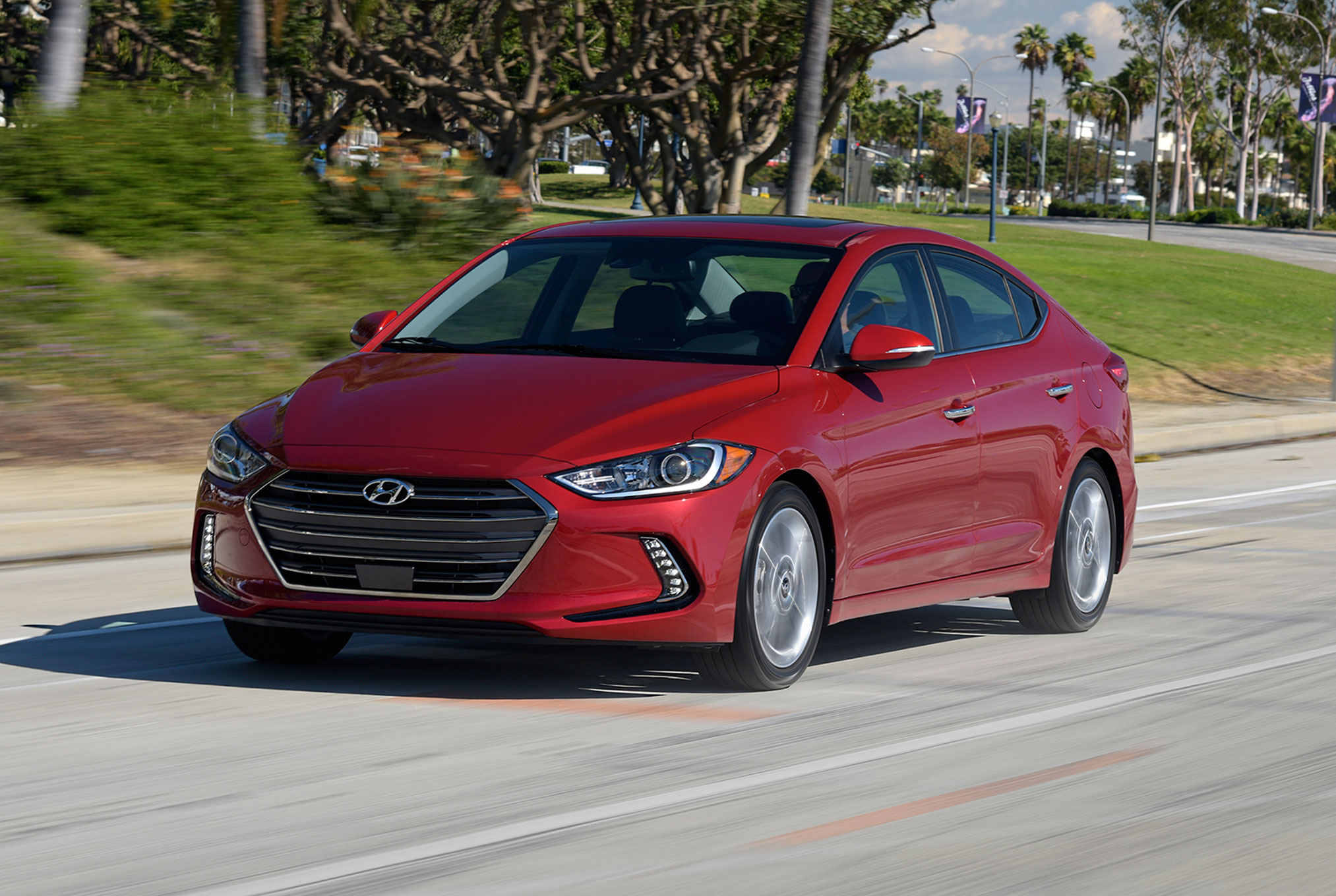 hyundai review stillb elantra reports consumer