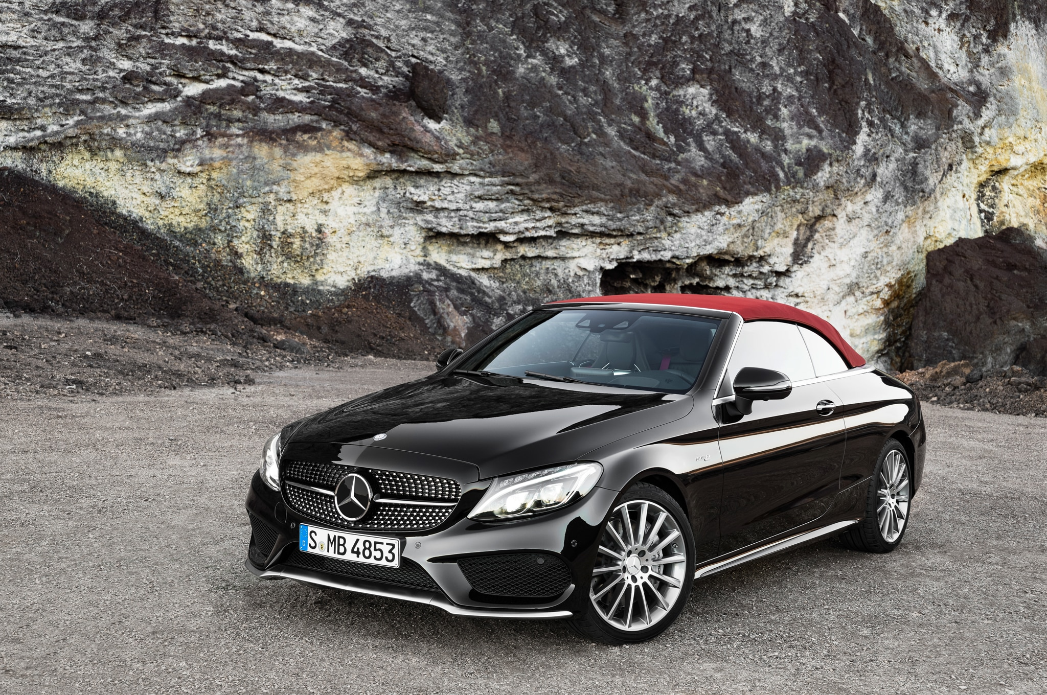2017 mercedes benz c class cabriolet revealed in c300 amg. Black Bedroom Furniture Sets. Home Design Ideas