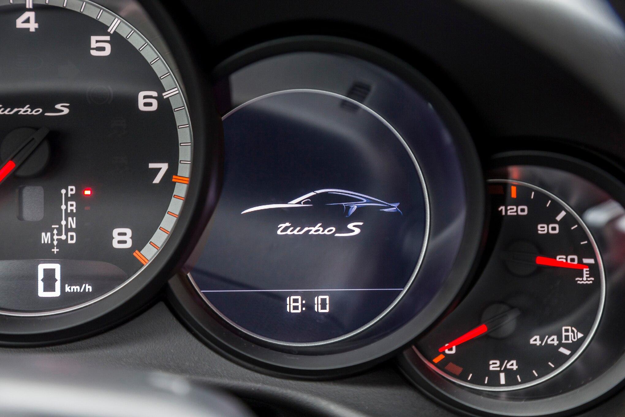 2017 Porsche 911 Turbo S instrument cluster