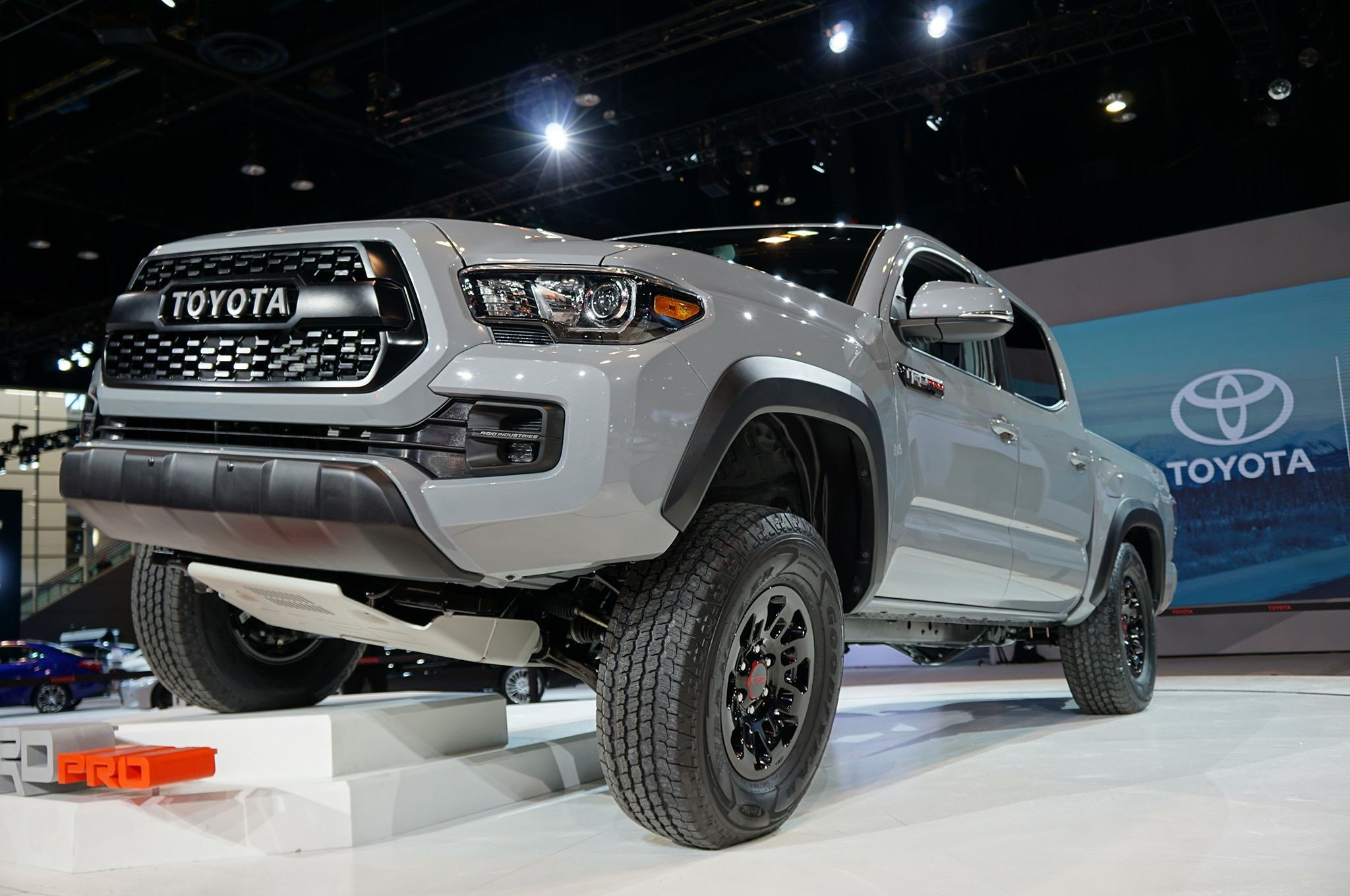 2017 toyota tacoma adds off road ready trd pro trim. Black Bedroom Furniture Sets. Home Design Ideas
