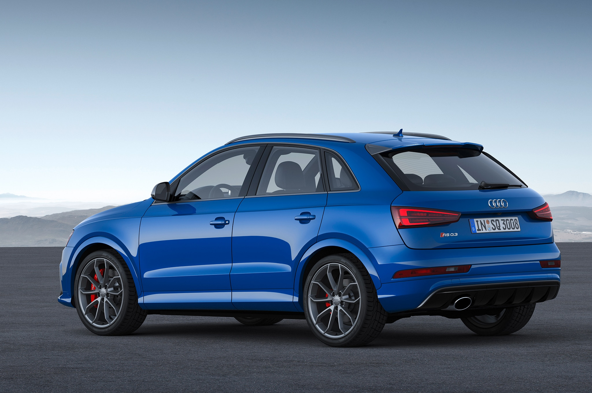 audi rs q3 performance boosts power to 362 hp top speed to 168 mph. Black Bedroom Furniture Sets. Home Design Ideas