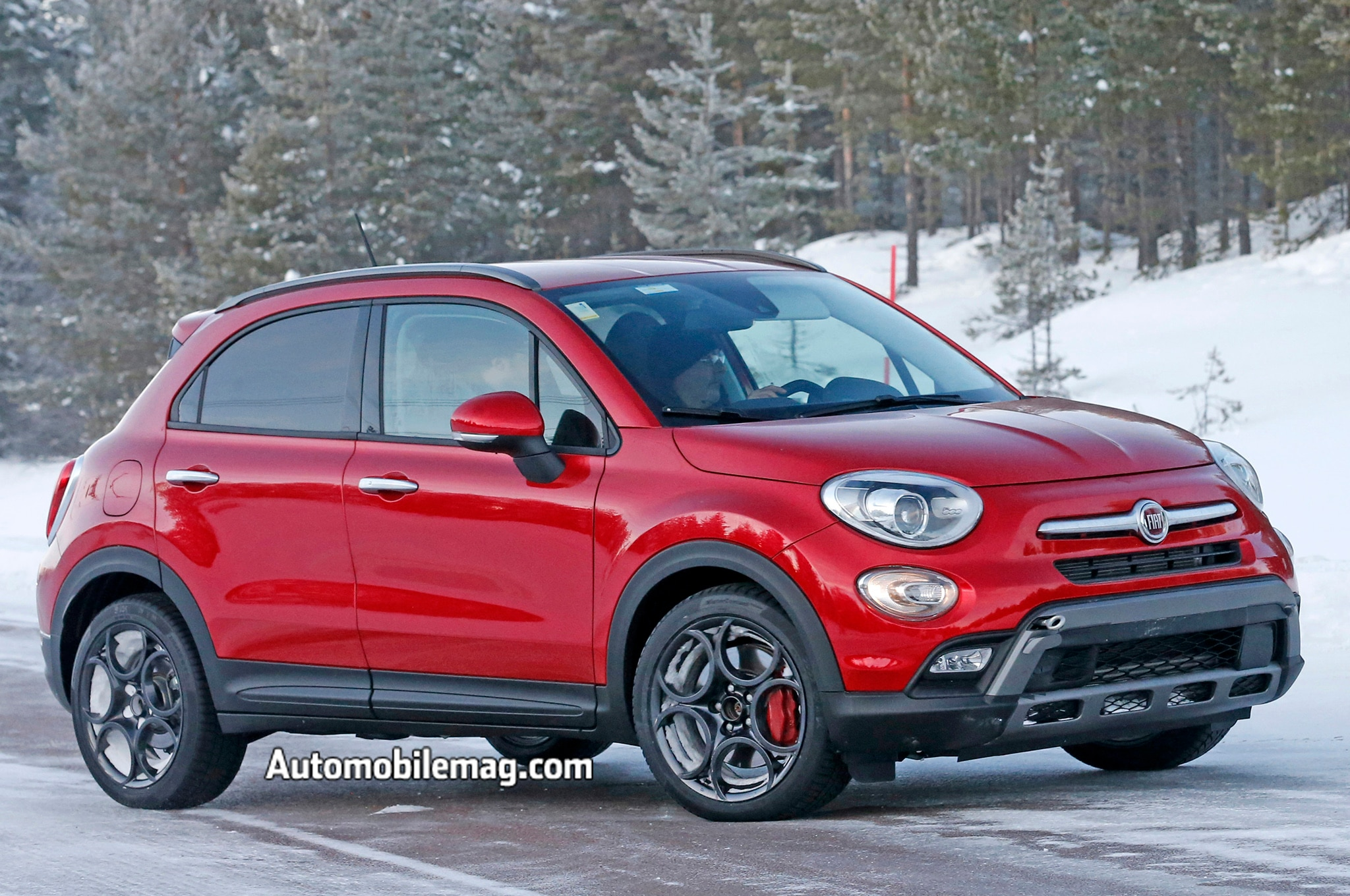 fiat 500x abarth spied wearing alfa romeo 4c wheels dual. Black Bedroom Furniture Sets. Home Design Ideas