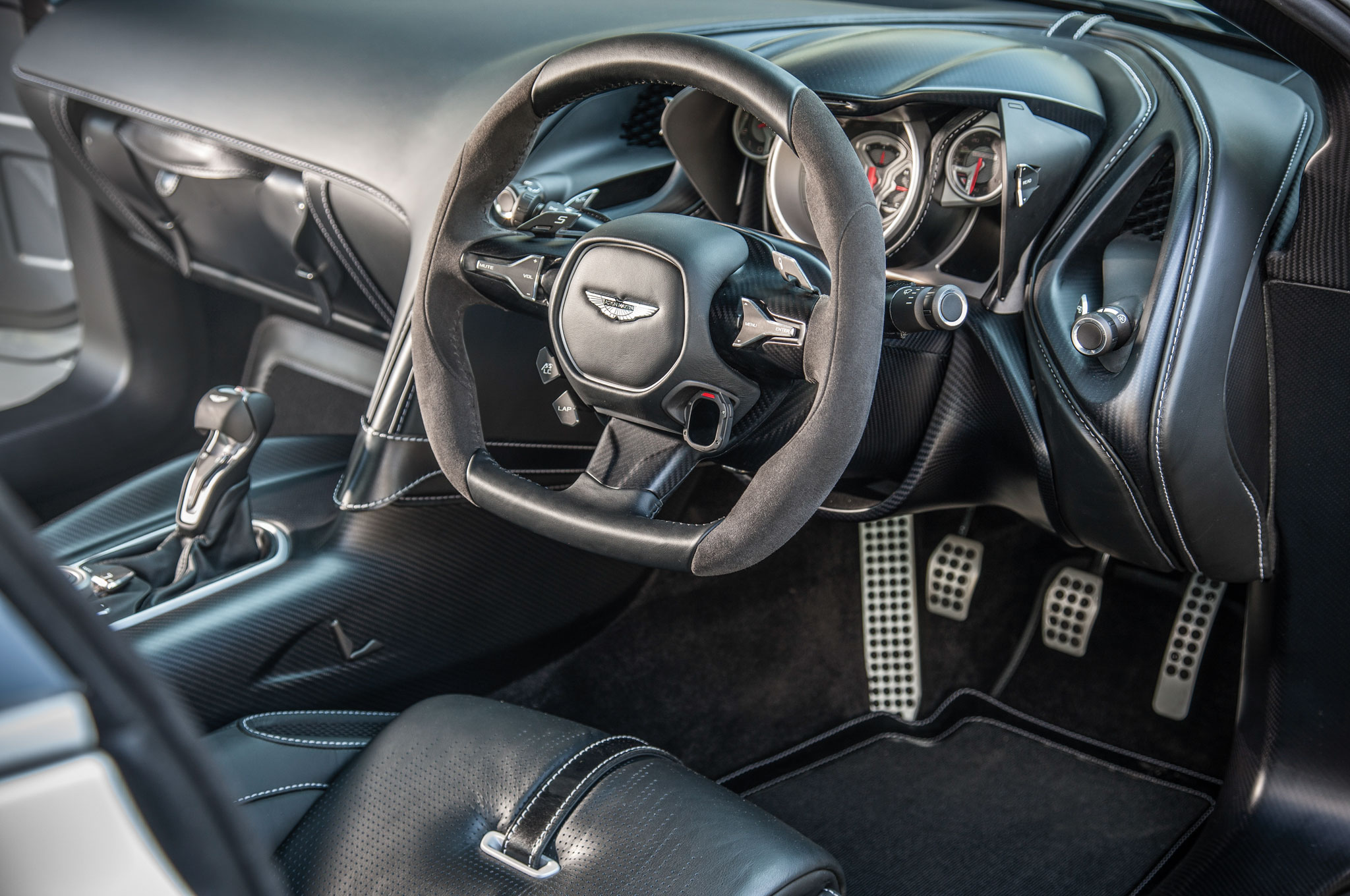 aston martin db10 from spectre sells for 3 5 million. Black Bedroom Furniture Sets. Home Design Ideas