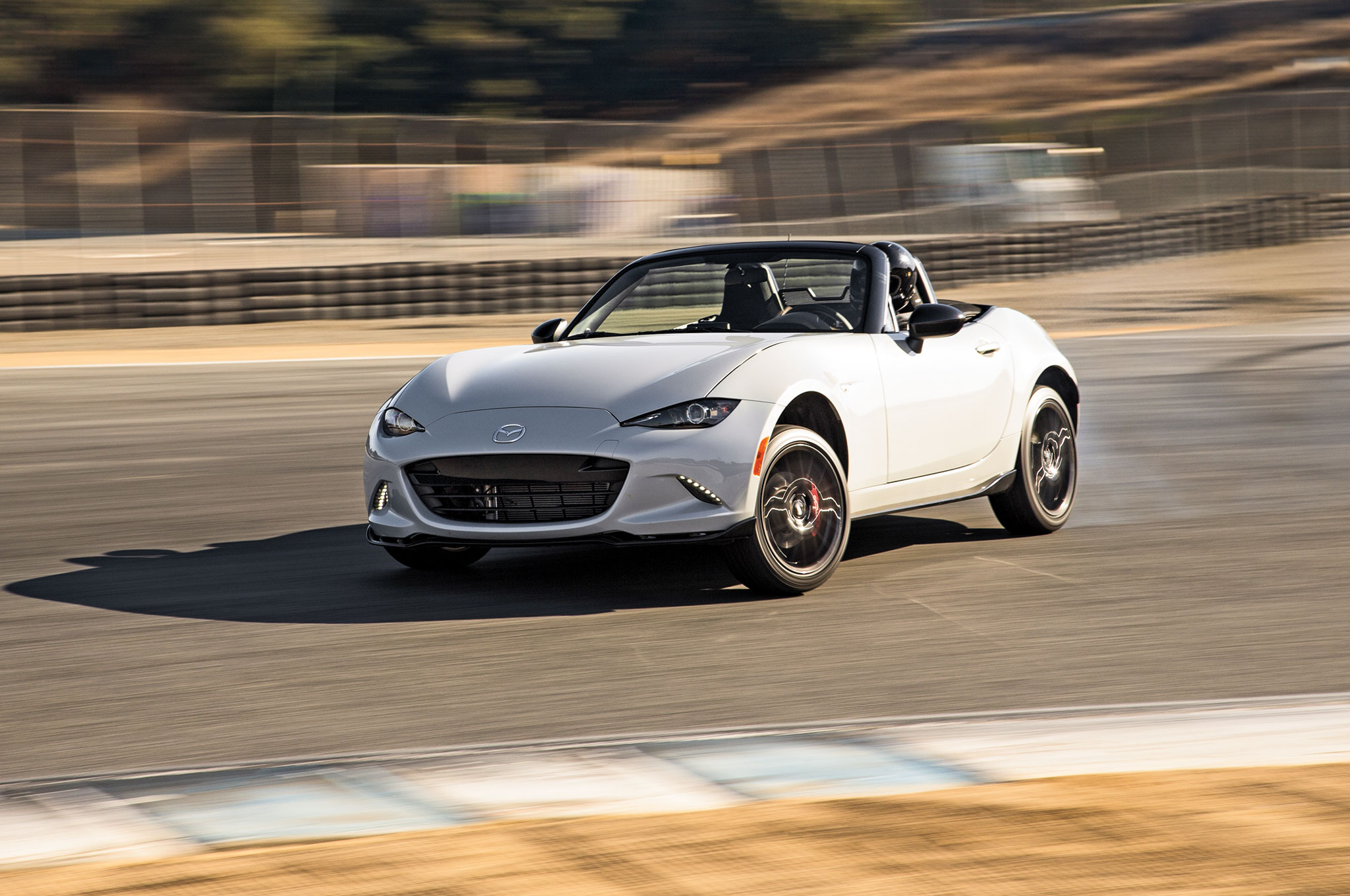 is mazda planning to show the miata hardtop in new york. Black Bedroom Furniture Sets. Home Design Ideas