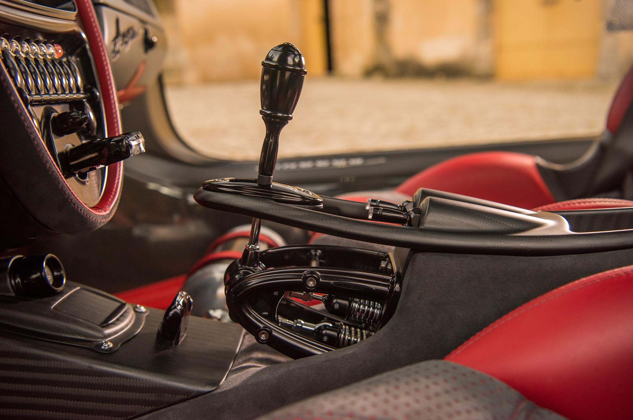 Pagani huayra bc prototype review automobile magazine i vanachro Image collections