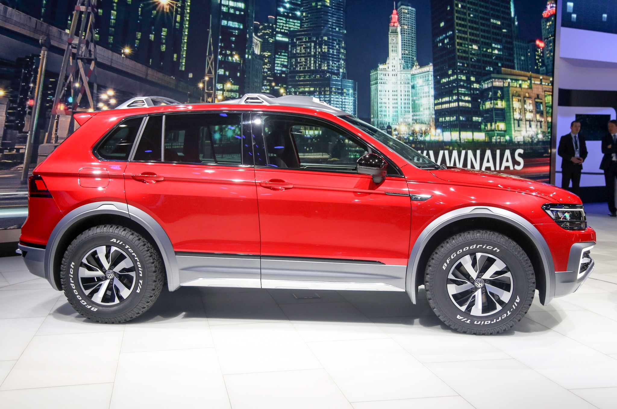 report volkswagen to expand tiguan range of compact suvs. Black Bedroom Furniture Sets. Home Design Ideas
