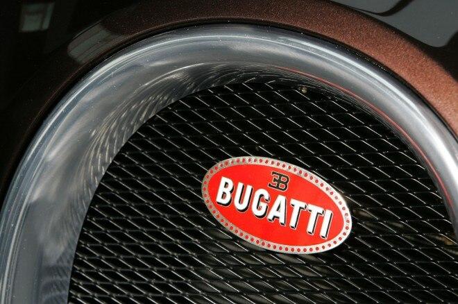 2005 Bugatti Veyron EB 164 badge