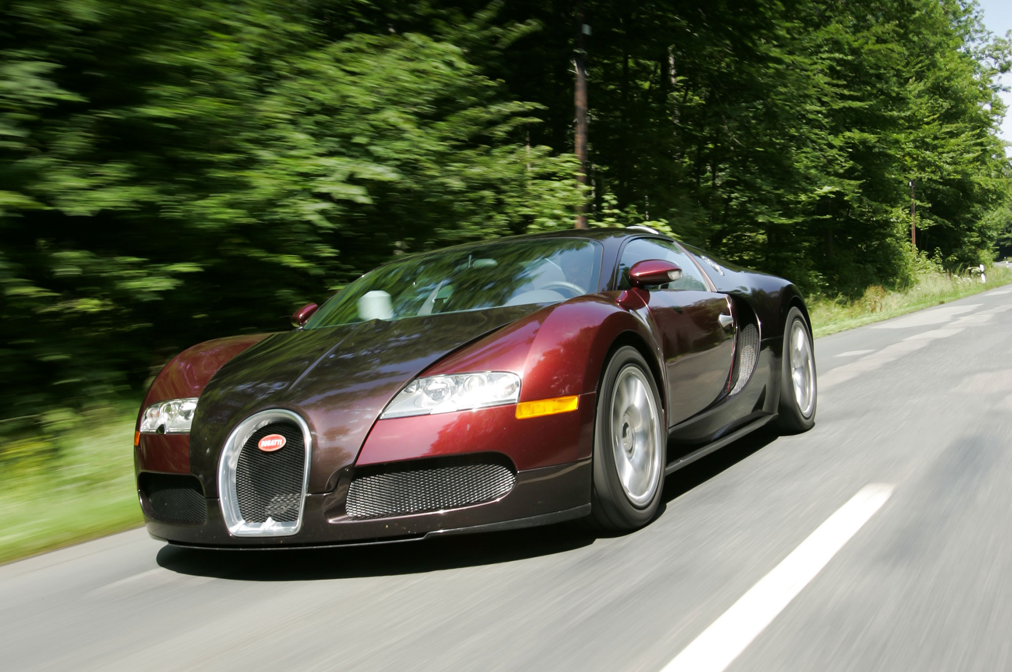 2005 Bugatti Veyron EB 164 Front Three Quarter In Motion