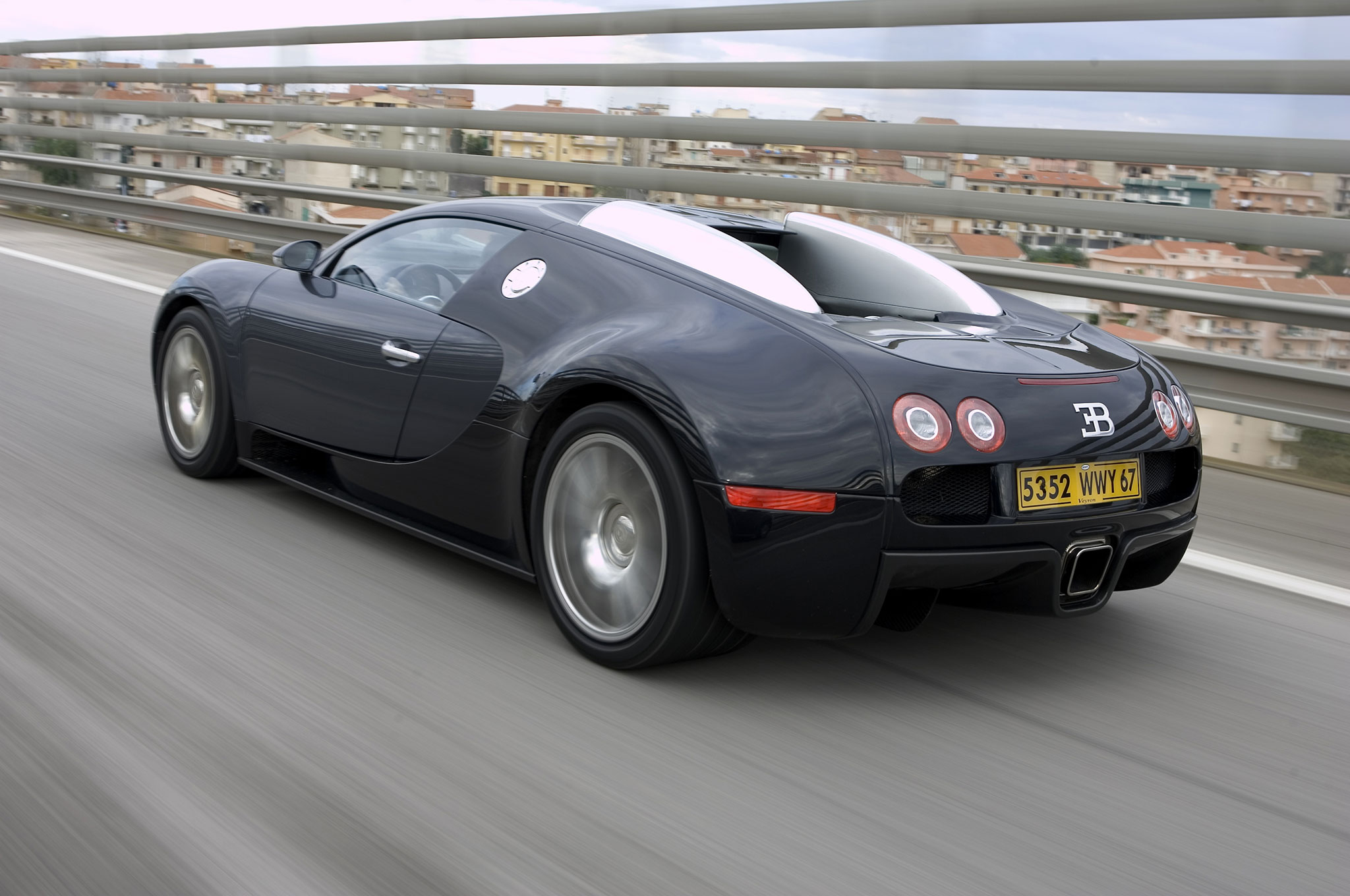 Michelin Run Flat Tires >> 2005 Bugatti Veyron EB 16.4 Review