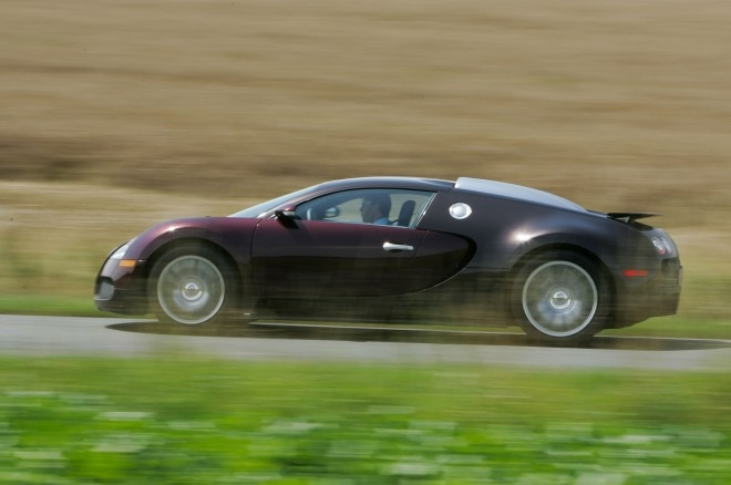 2005 Bugatti Veyron EB 164 side profile in motion