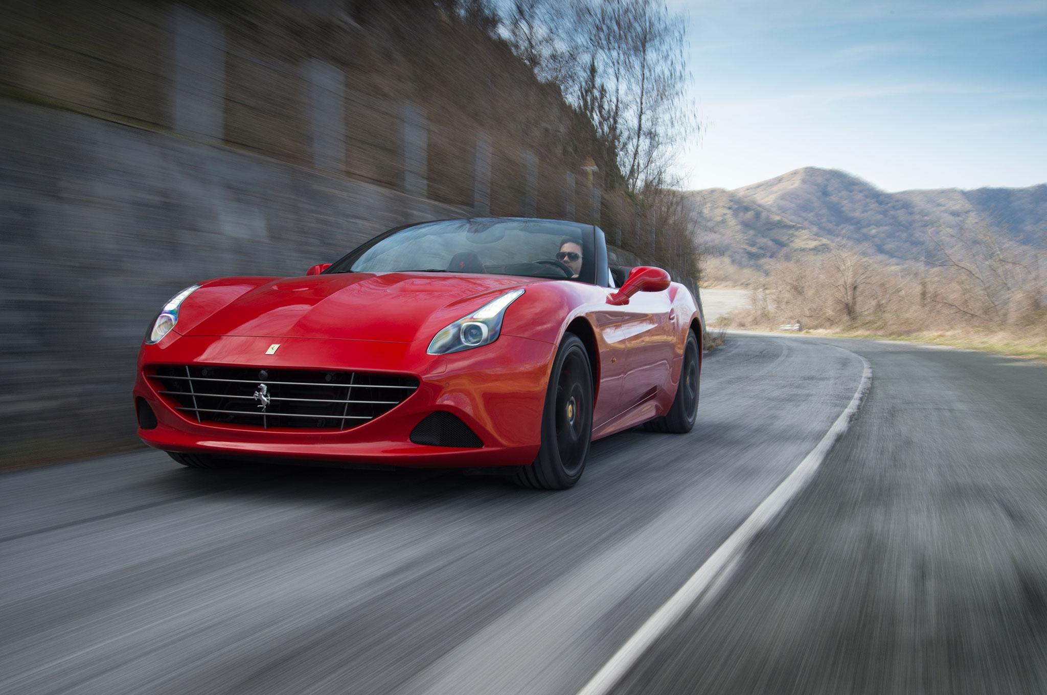2016 Ferrari California T Handling Speciale Front Three Quarter In Motion 01