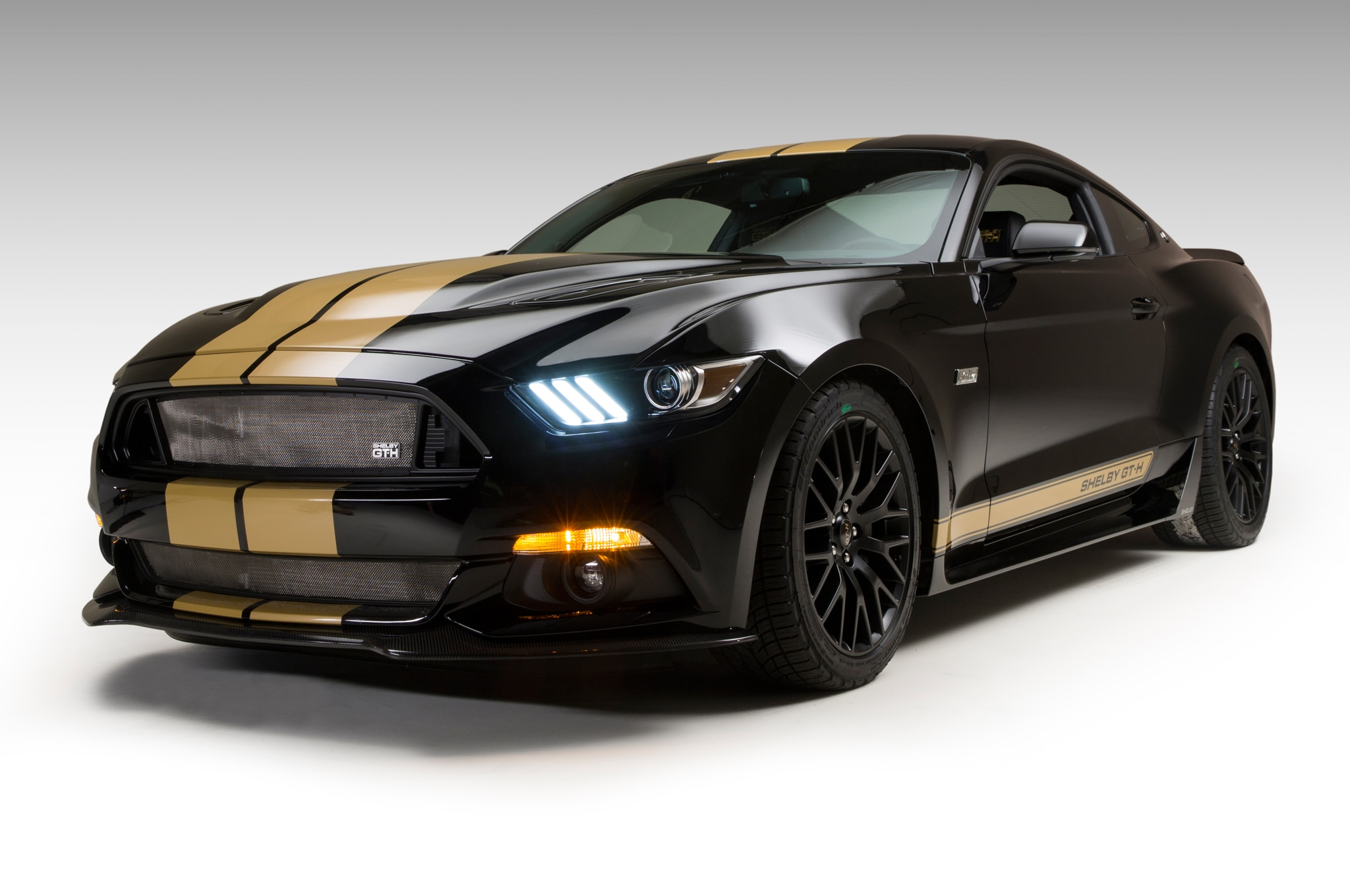 http://st.automobilemag.com/uploads/sites/11/2016/03/2016-Ford-Shelby-GT-H-front-three-quarter-view.jpg
