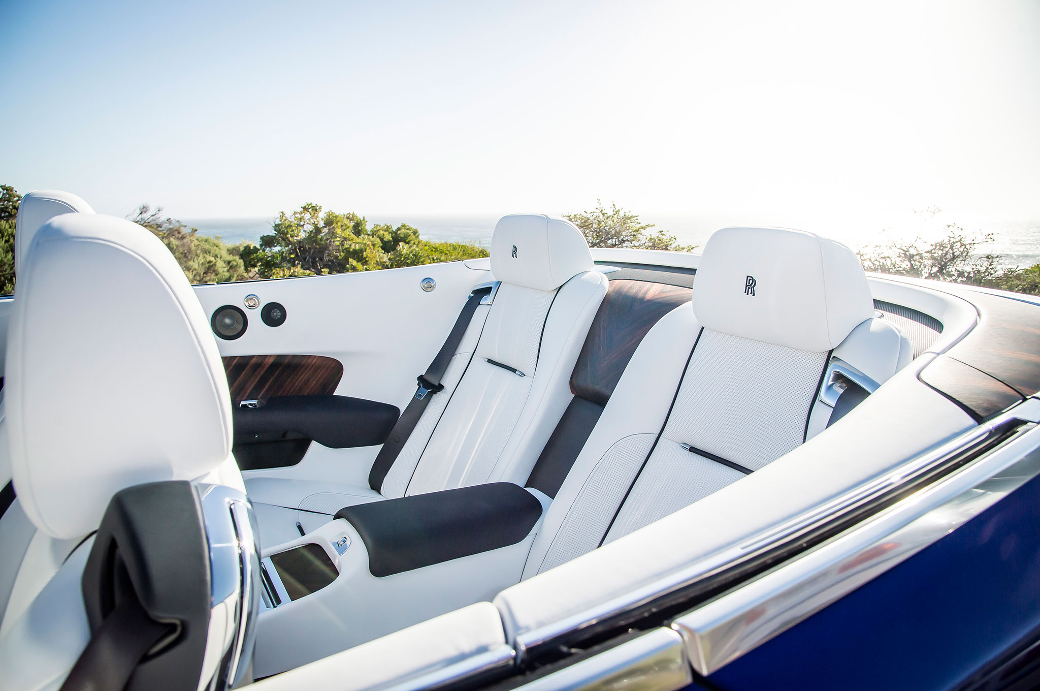 2016 rolls royce dawn first drive review. Black Bedroom Furniture Sets. Home Design Ideas
