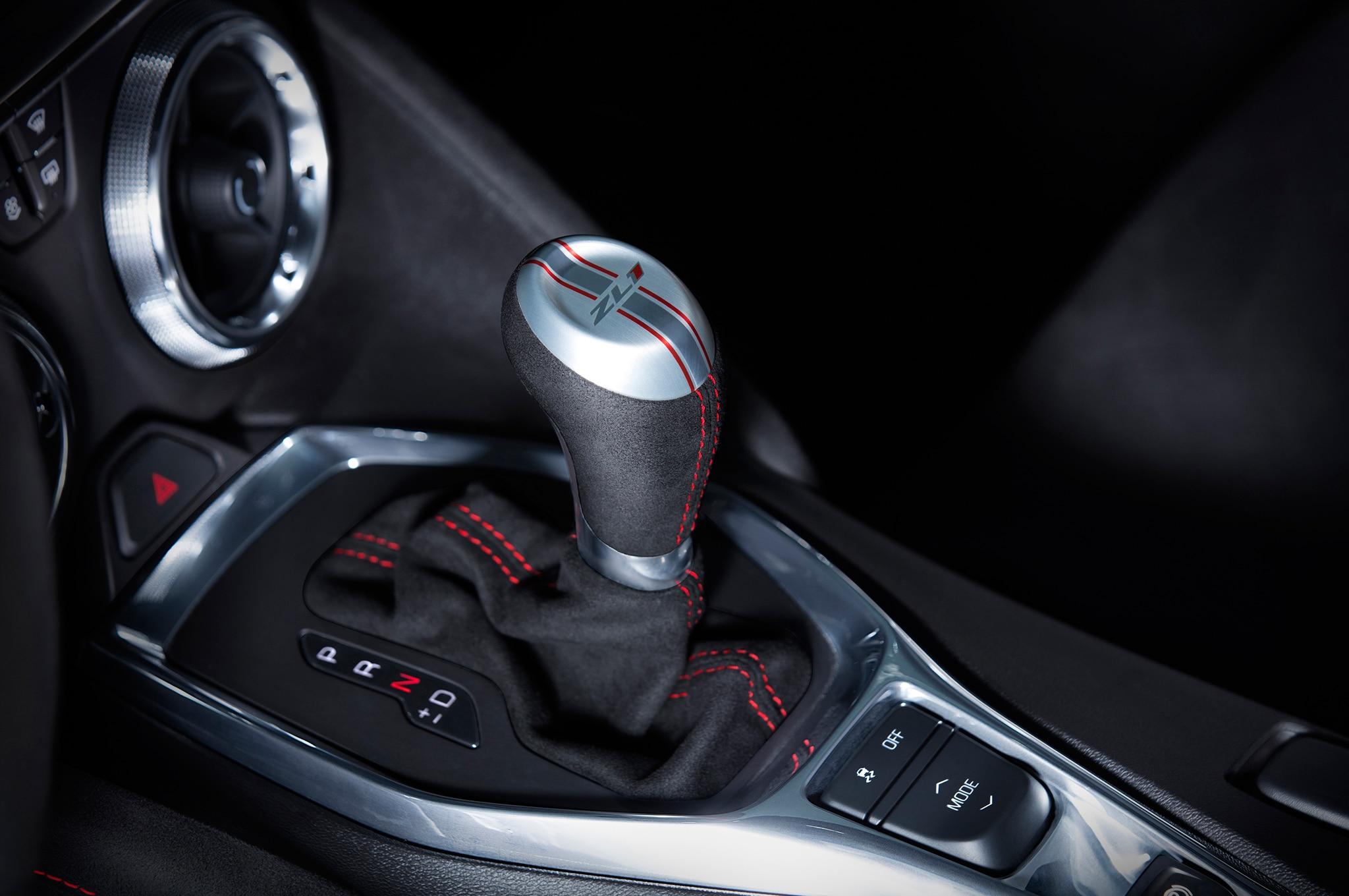 2017 Chevrolet Camaro ZL1 gear shifter