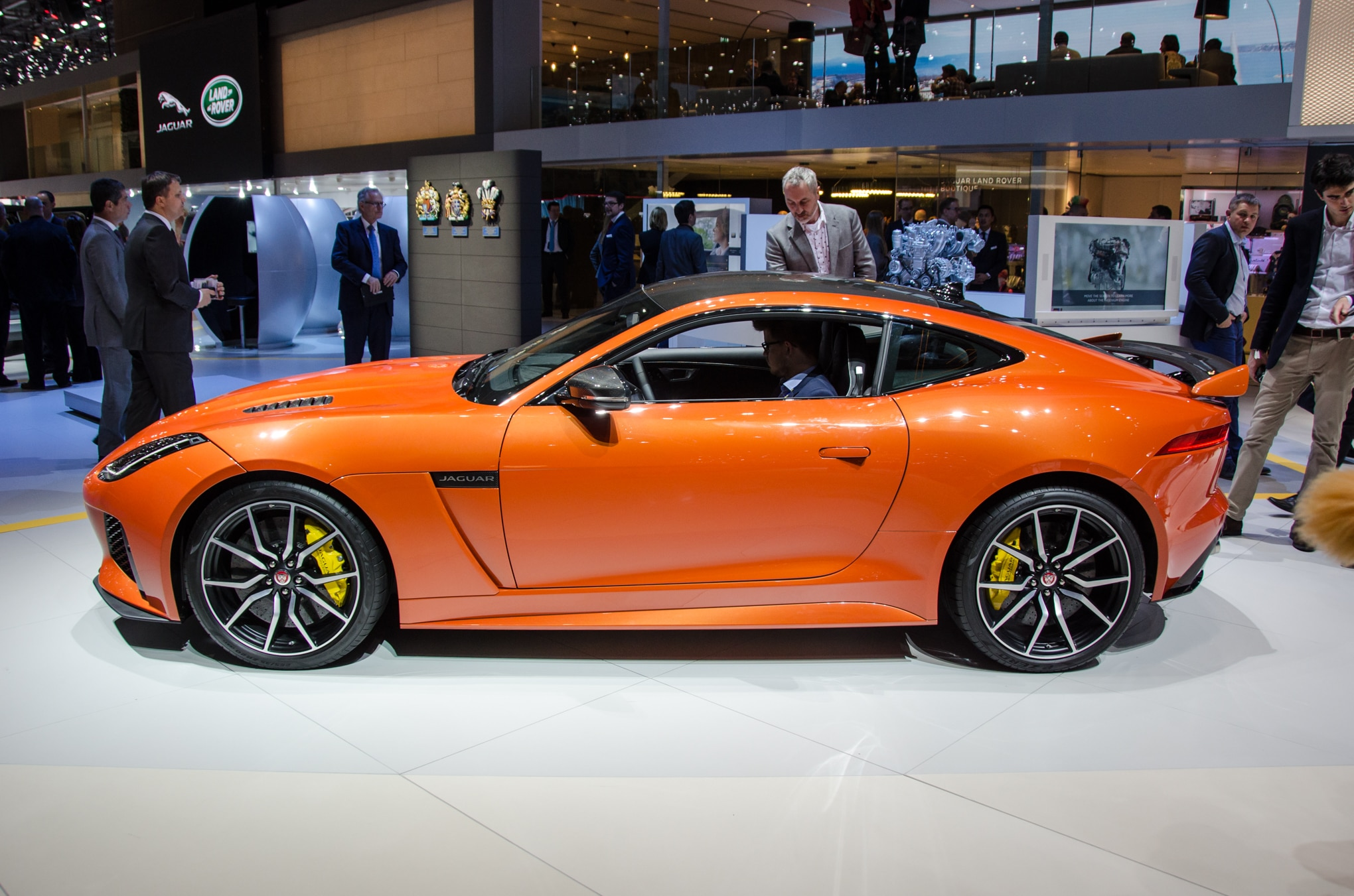 2017 jaguar f type svr brings a 575 hp punch to geneva. Black Bedroom Furniture Sets. Home Design Ideas