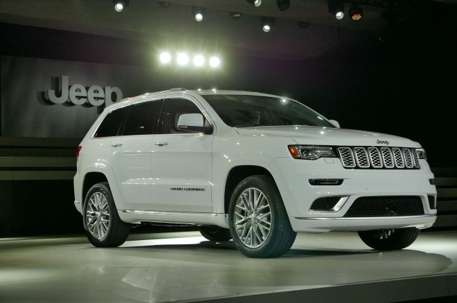 2017 jeep grand cherokee adds trailhawk updates summit packages. Black Bedroom Furniture Sets. Home Design Ideas