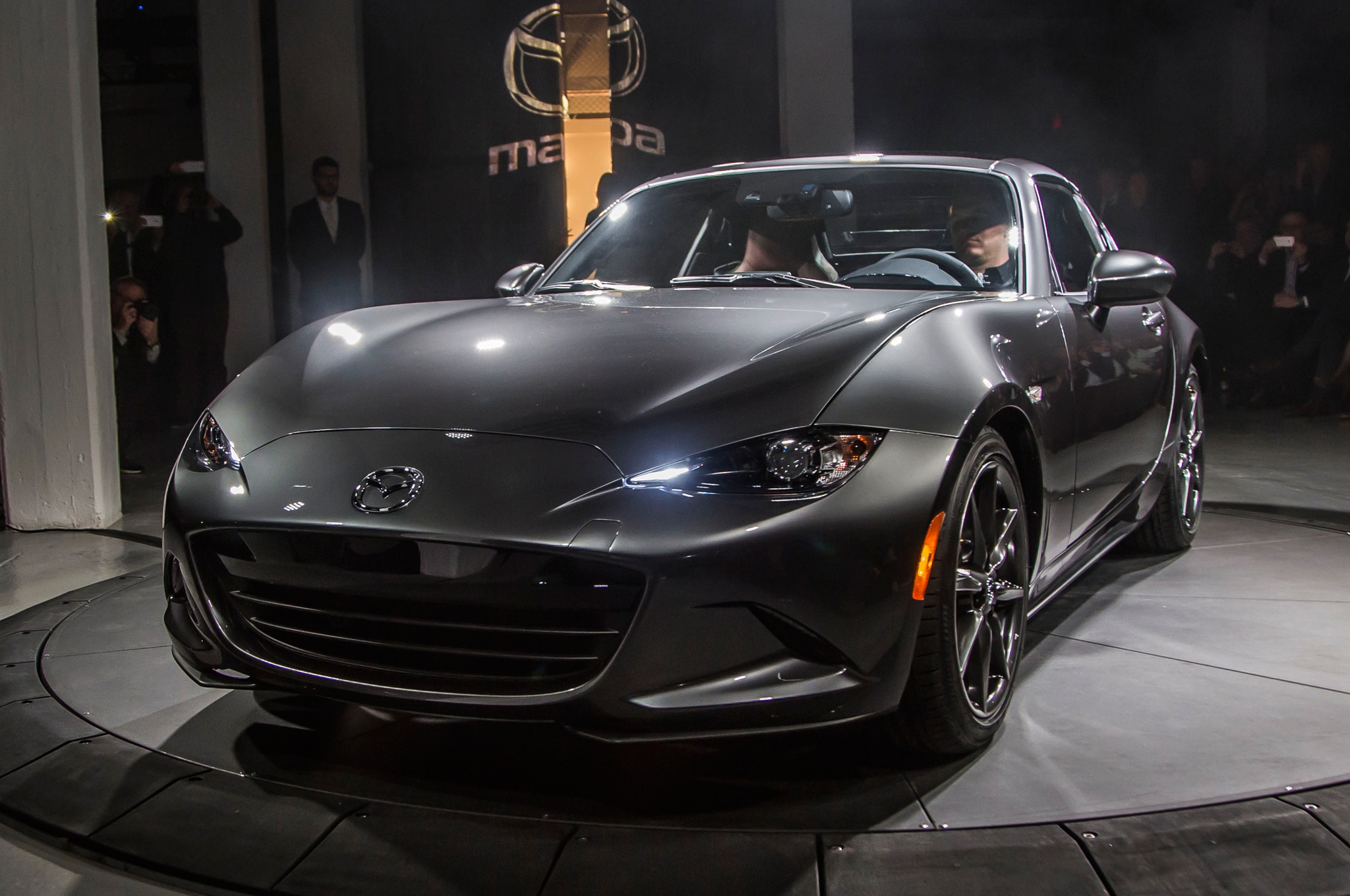 Mx 5 Rf Price >> 5 Things To Know About The 2017 Mazda Mx 5 Miata Rf Automobile