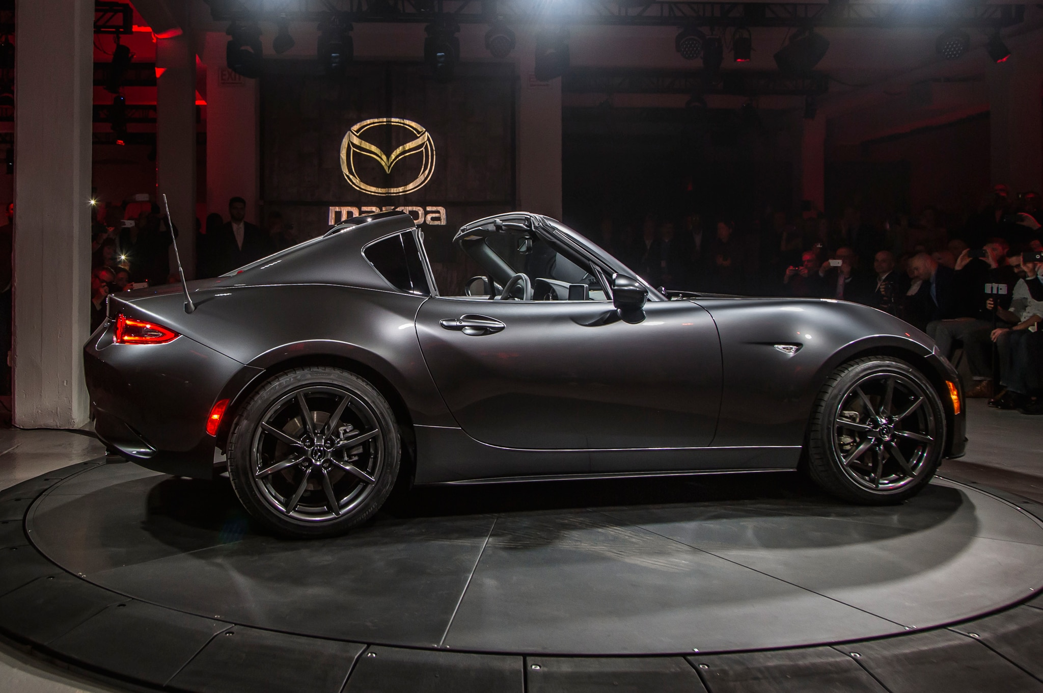 2017 mazda mx 5 miata retractable fastback debuts automobile magazine. Black Bedroom Furniture Sets. Home Design Ideas