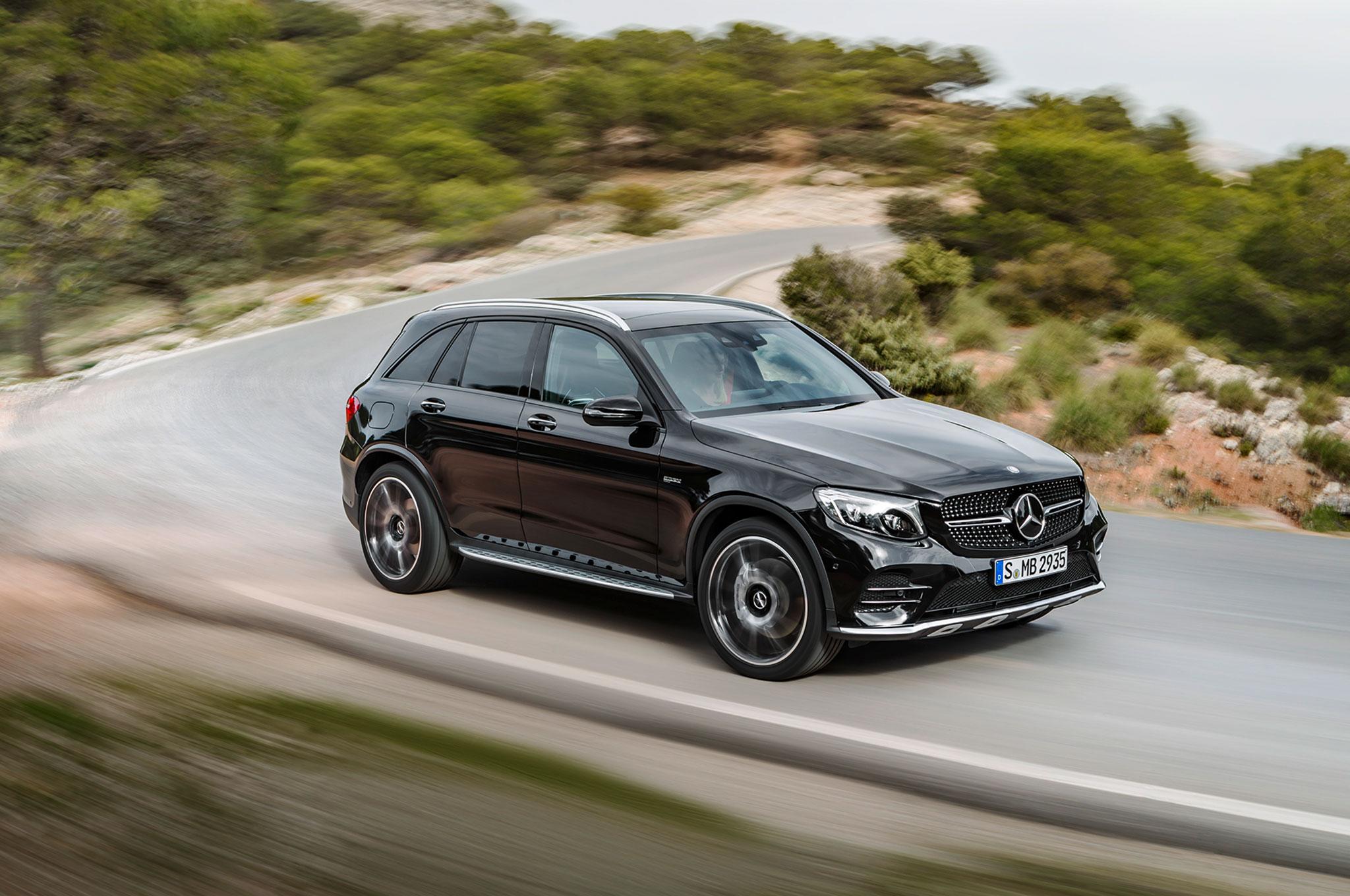 http://st.automobilemag.com/uploads/sites/11/2016/03/2017-Mercedes-AMG-GLC43-front-three-quarter-in-motion-02.jpg