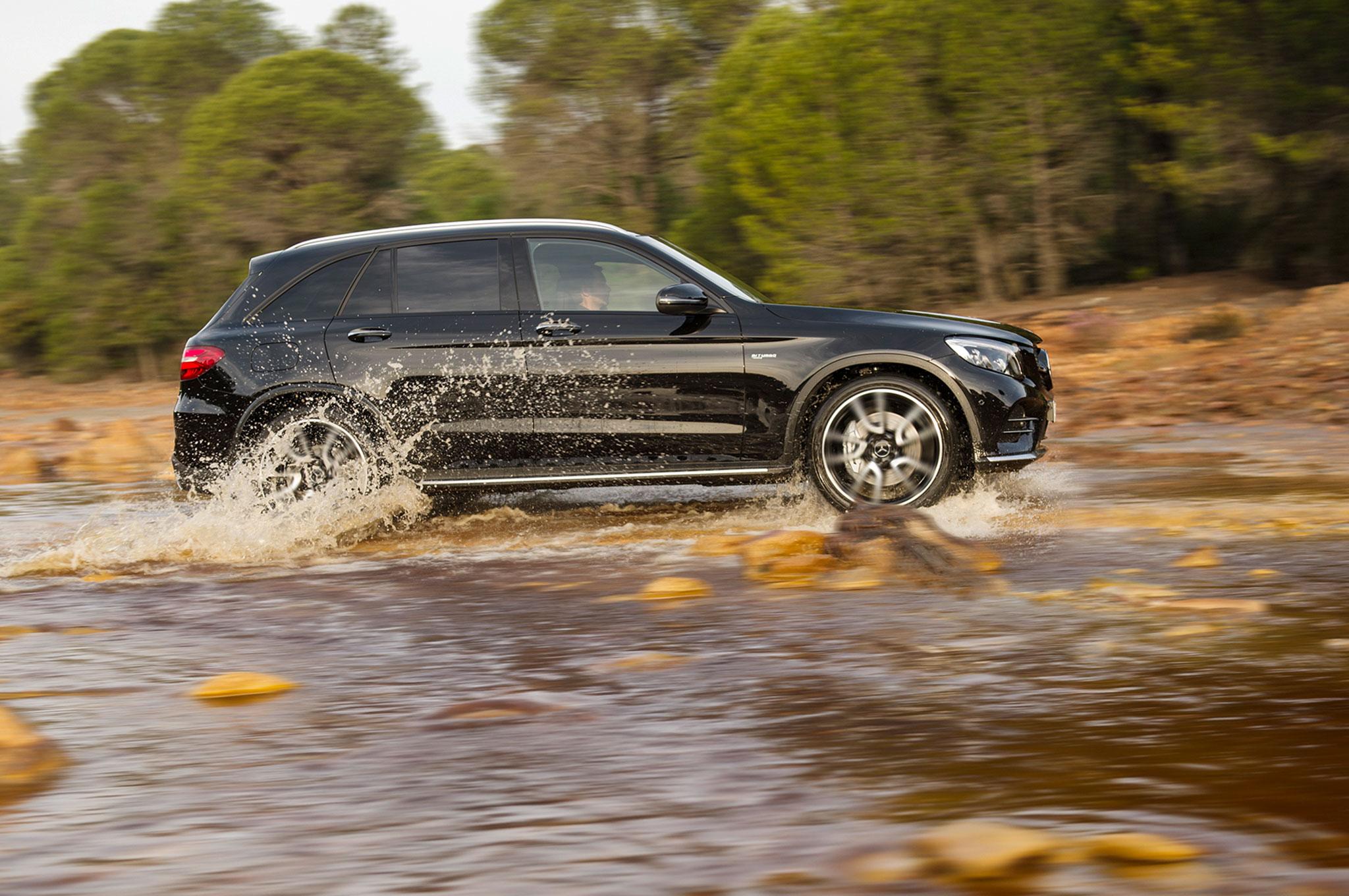 http://st.automobilemag.com/uploads/sites/11/2016/03/2017-Mercedes-AMG-GLC43-side-profile-in-motion.jpg