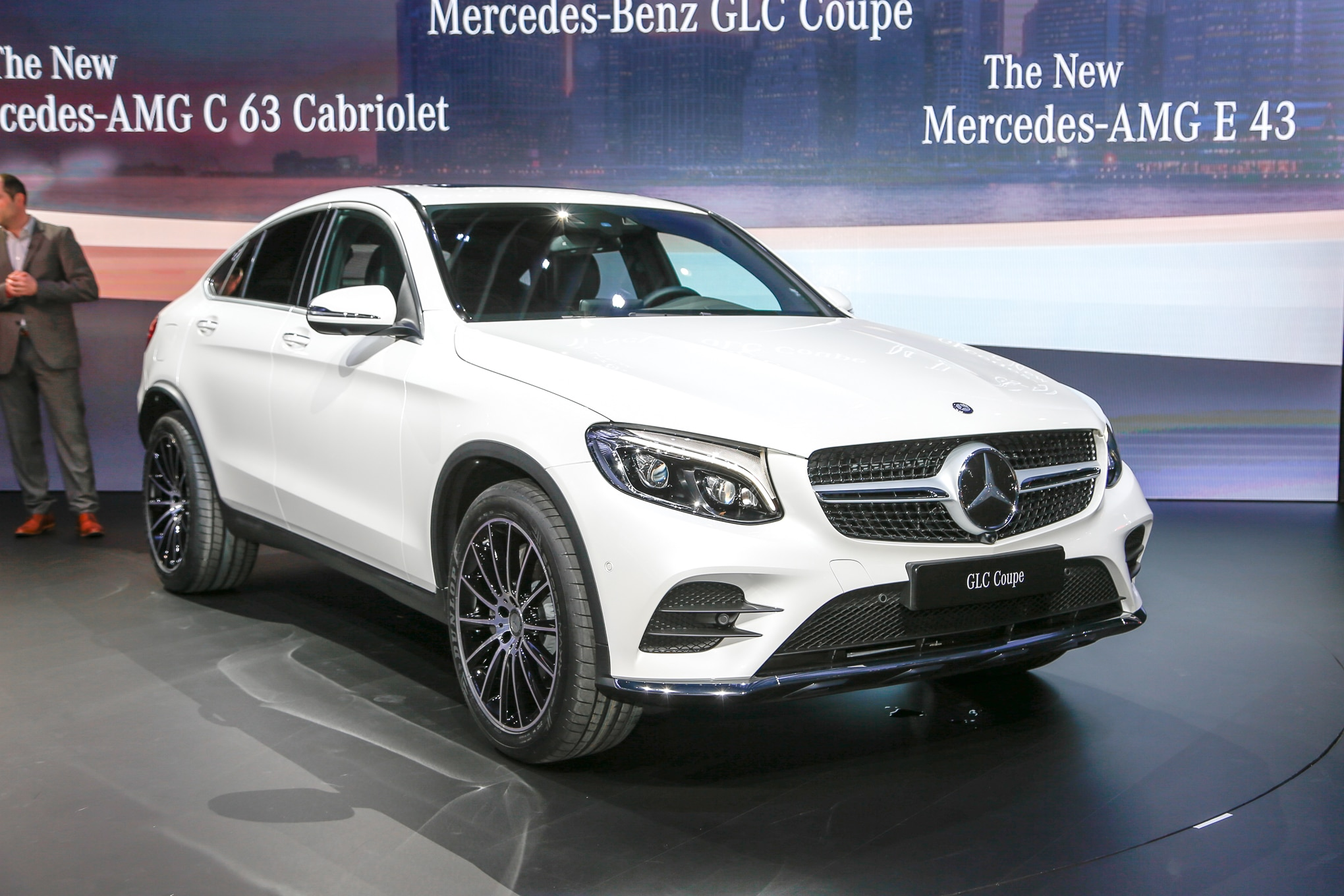 2017 mercedes benz glc coupe debuts in new york for Mercedes benz sedan 2017