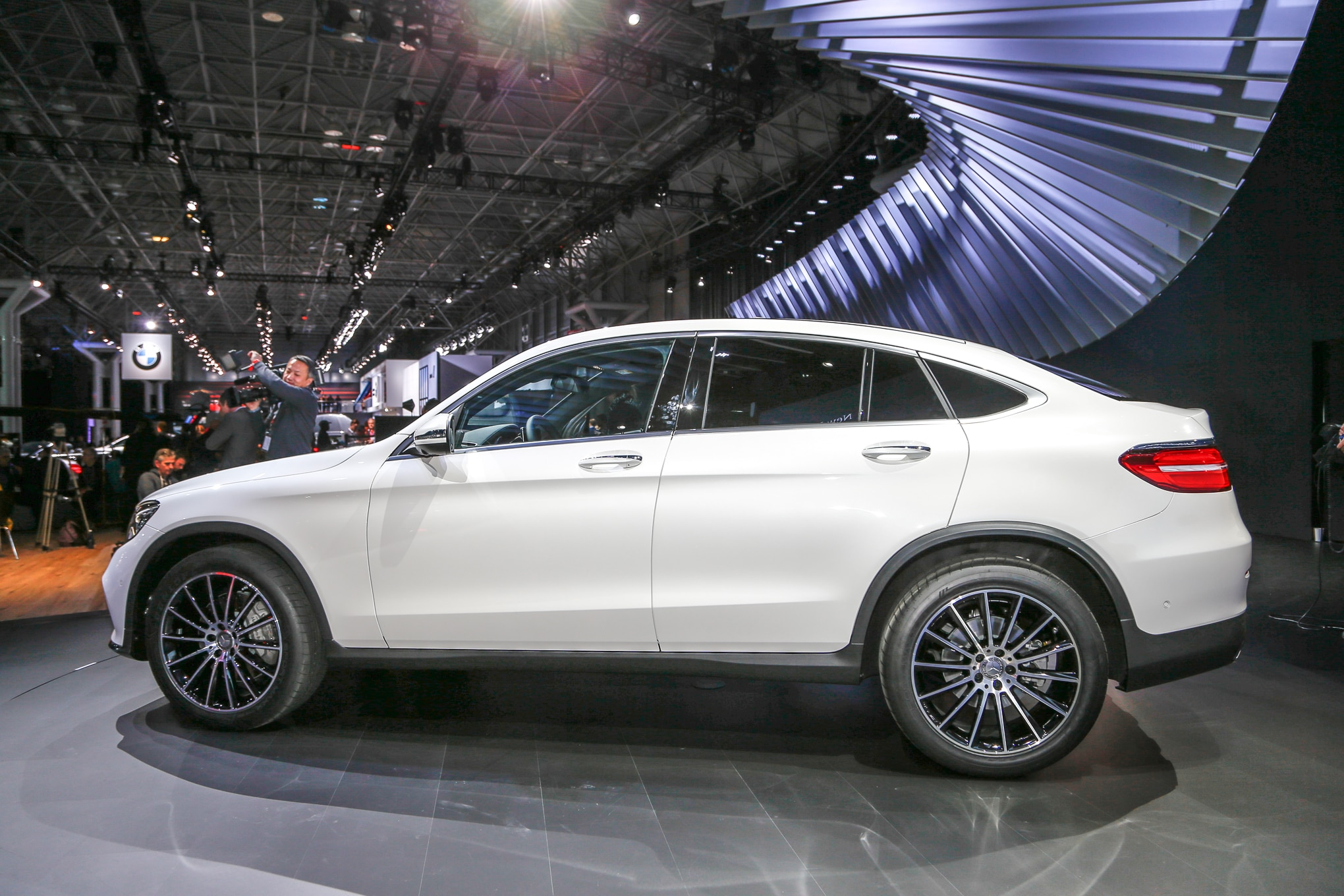 2017 mercedes benz glc coupe debuts in new york for Mercedes benz glc300 coupe