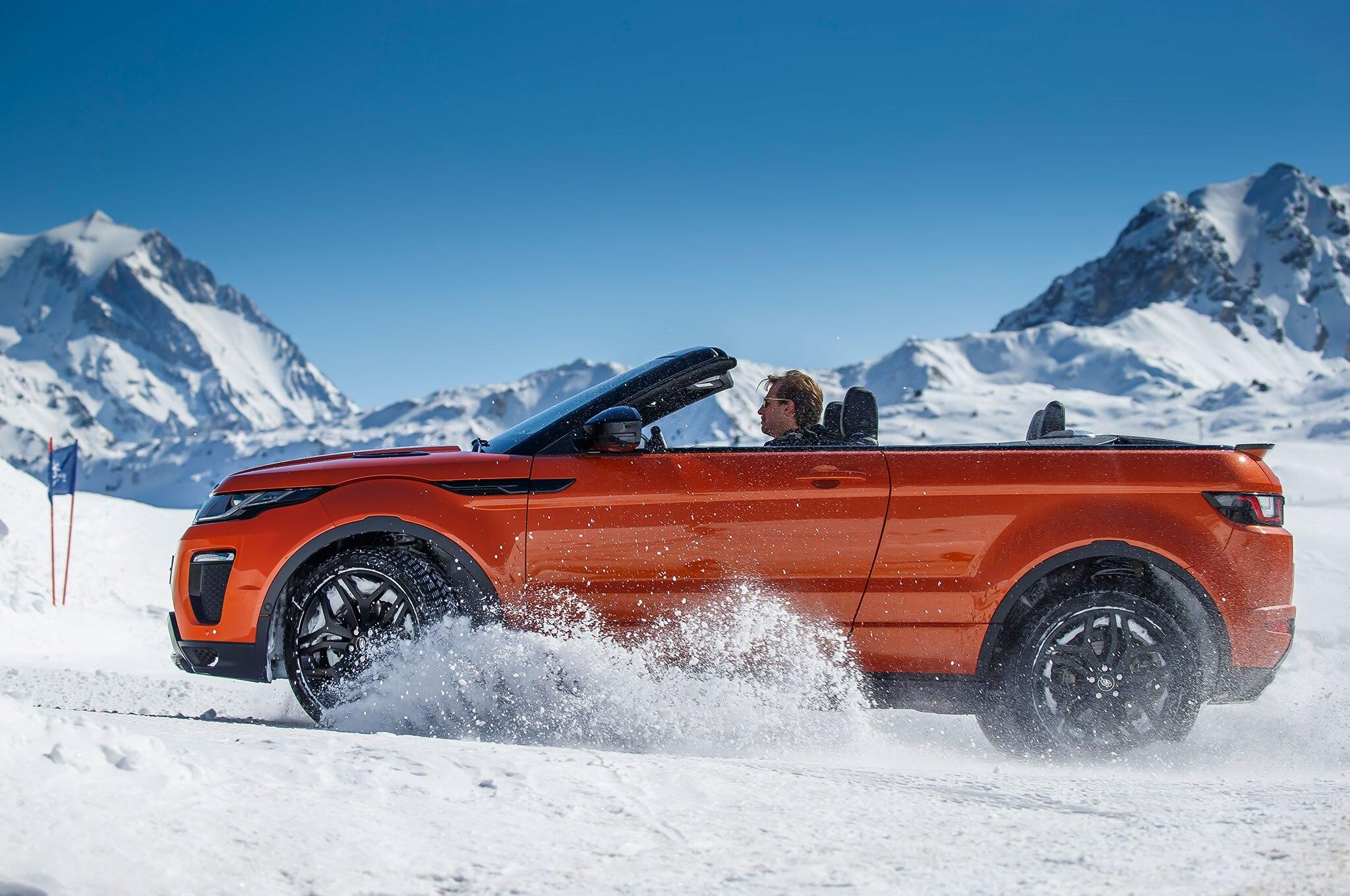 http://st.automobilemag.com/uploads/sites/11/2016/03/2017-Range-Rover-Evoque-Convertible-side-profile-on-snow-03.jpg