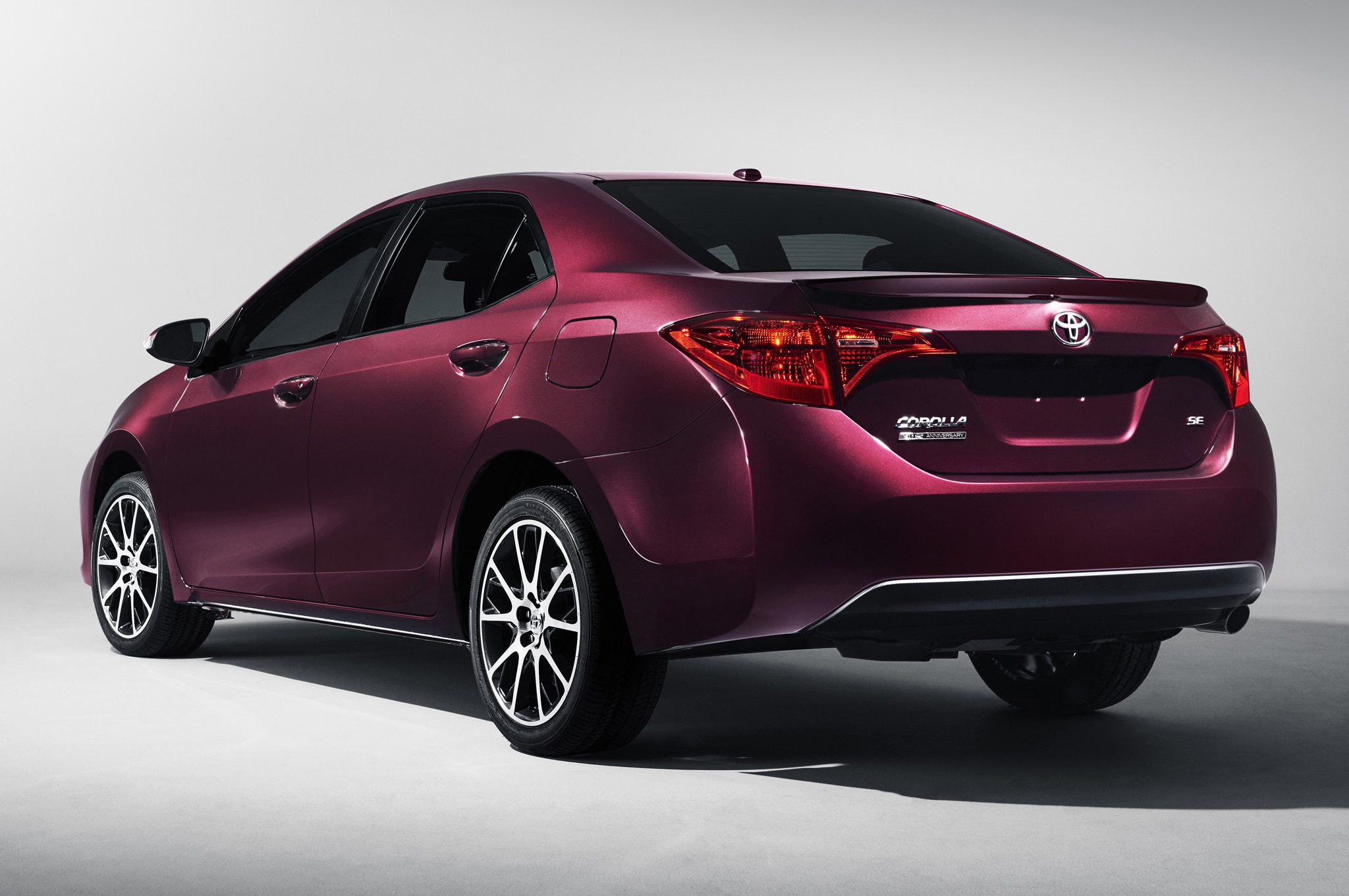 2017 toyota corolla xse rear side view sitting
