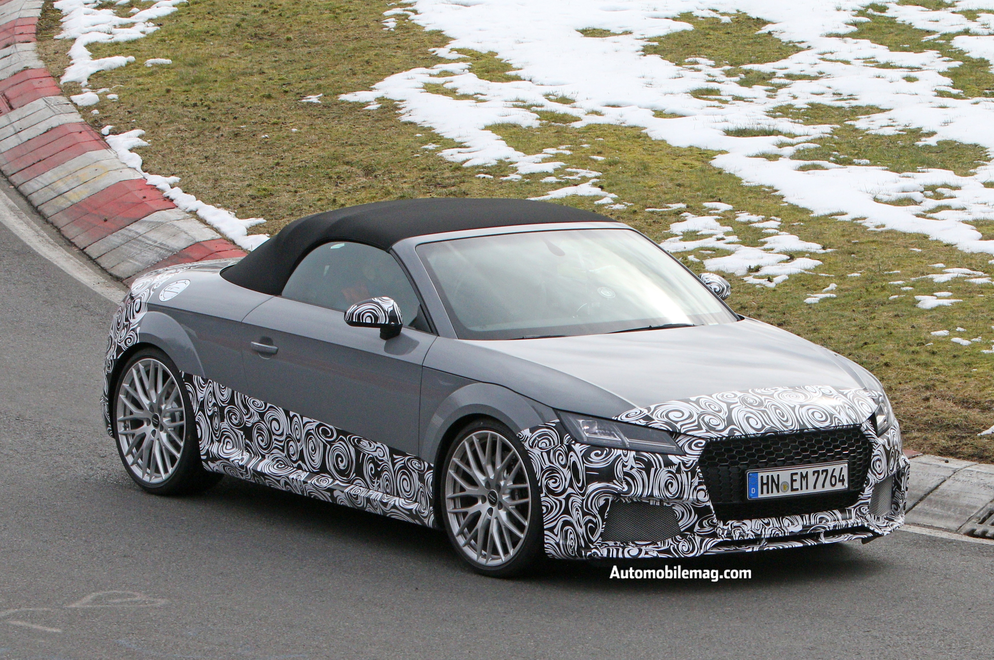 audi tt rs cabriolet spied testing at nurburgring. Black Bedroom Furniture Sets. Home Design Ideas
