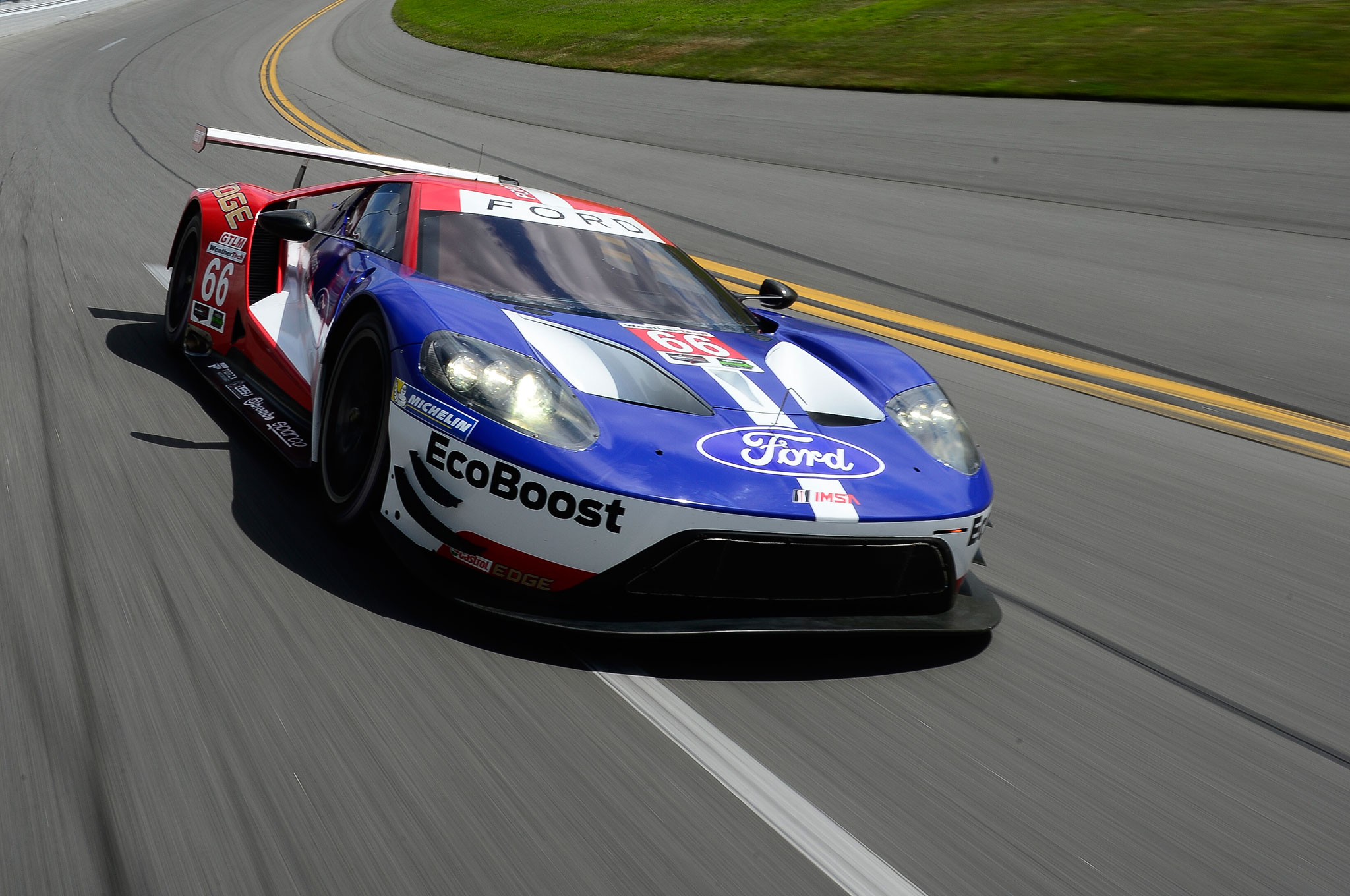 Chasing History The New Ford Gt Goes Racing