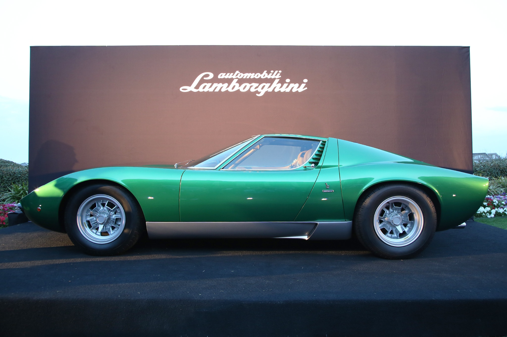 The Resurrection Of Lamborghini Miura Sv 4846