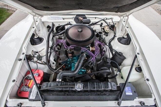 1972 AMC Javelin SST engine 01