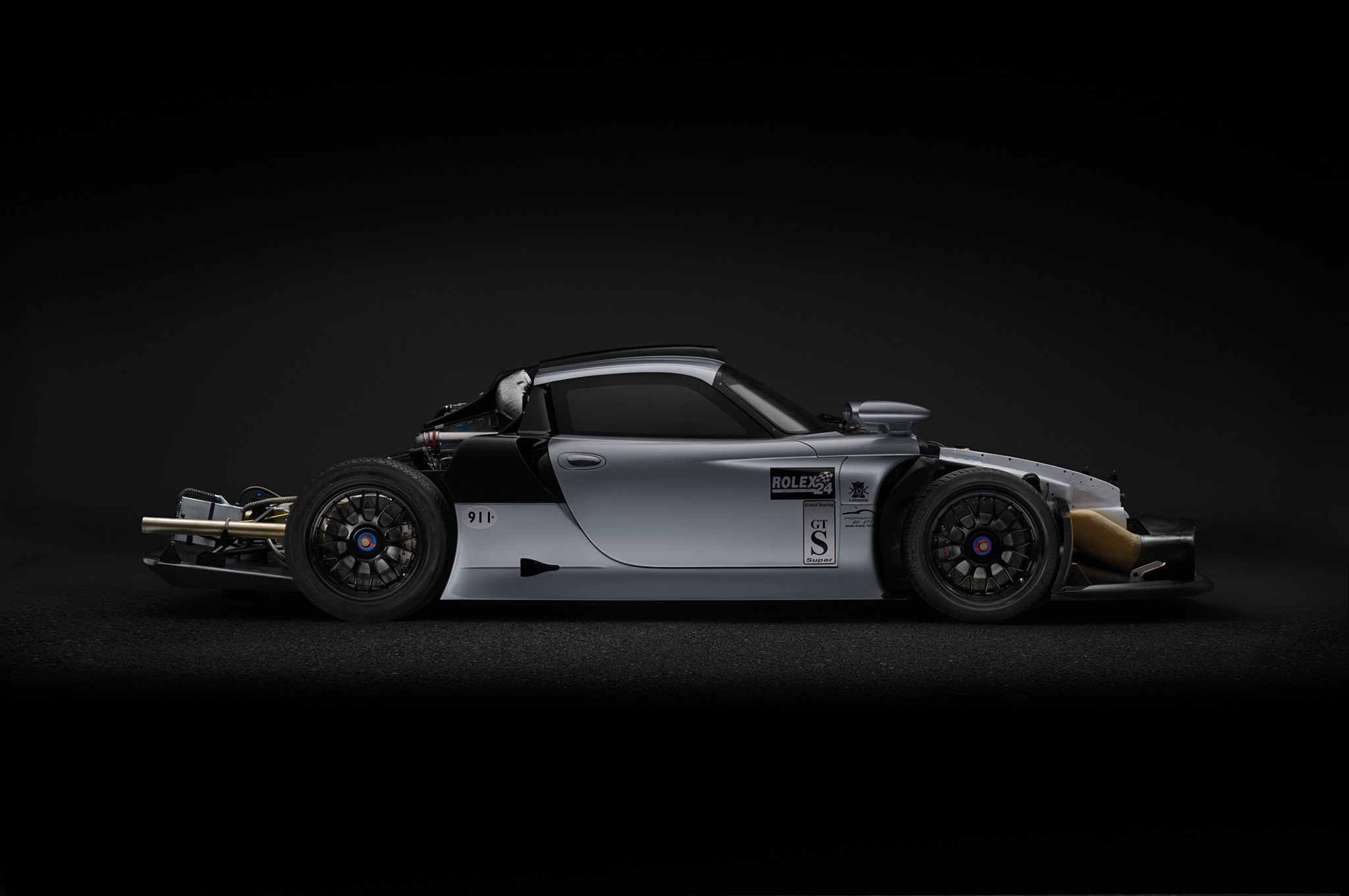 the only street legal 1997 porsche 911 gt1 evo heads to auction automobile magazine. Black Bedroom Furniture Sets. Home Design Ideas