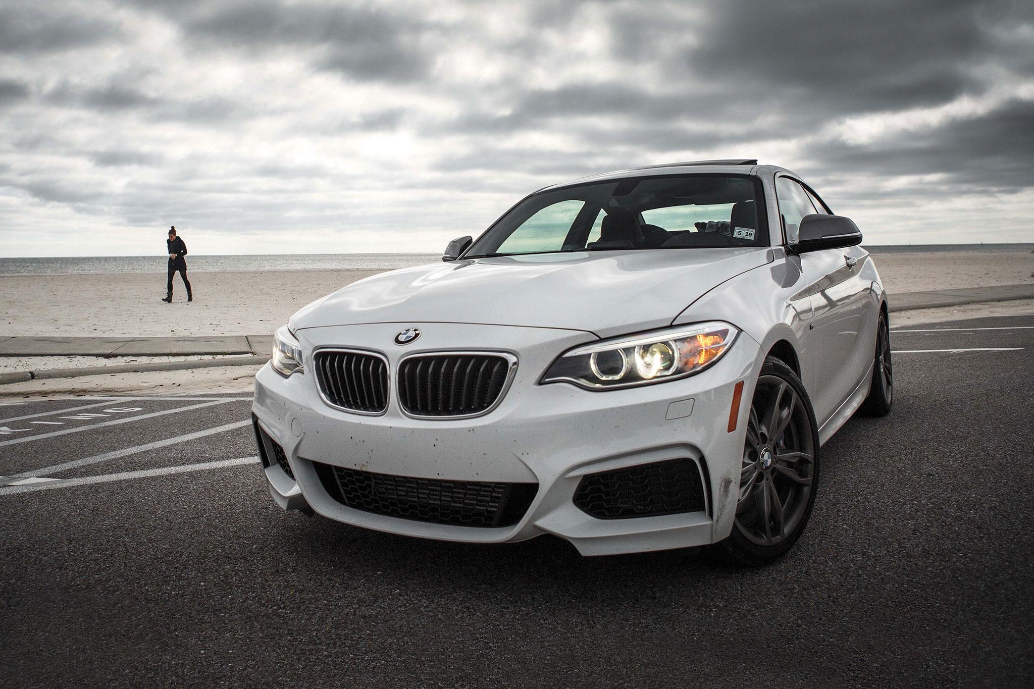 2014 BMW M235i Front Three Quarter