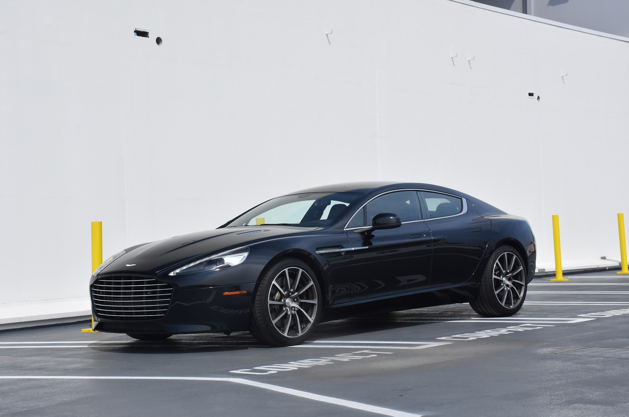 2016 aston martin rapide pictures to pin on pinterest pinsdaddy. Black Bedroom Furniture Sets. Home Design Ideas
