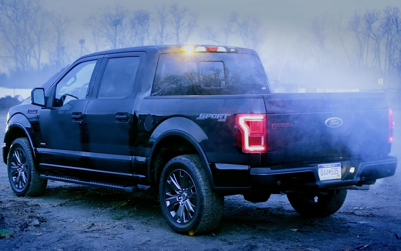 2016 ford f 150 adds built in led strobe lights for fleet. Black Bedroom Furniture Sets. Home Design Ideas