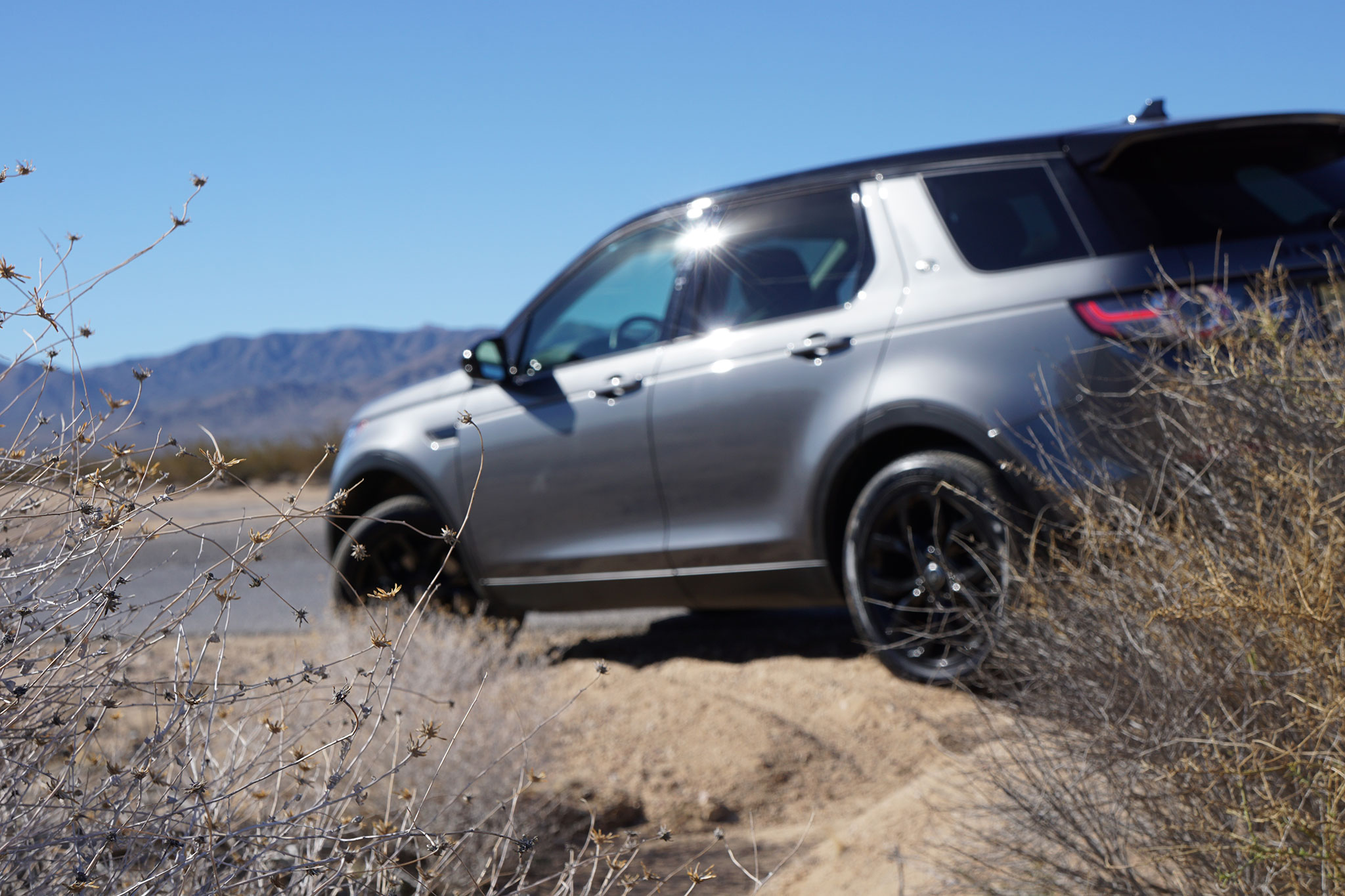 2016 land rover discovery sport rove lightly discover diligently. Black Bedroom Furniture Sets. Home Design Ideas