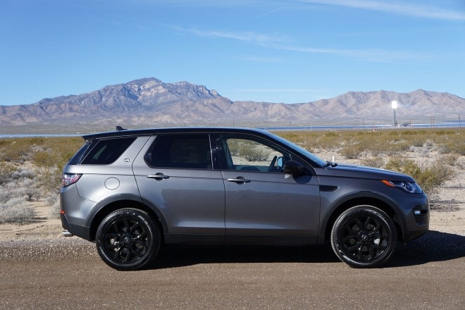 2016 Land Rover Discovery Sport HSE Luxury side profile