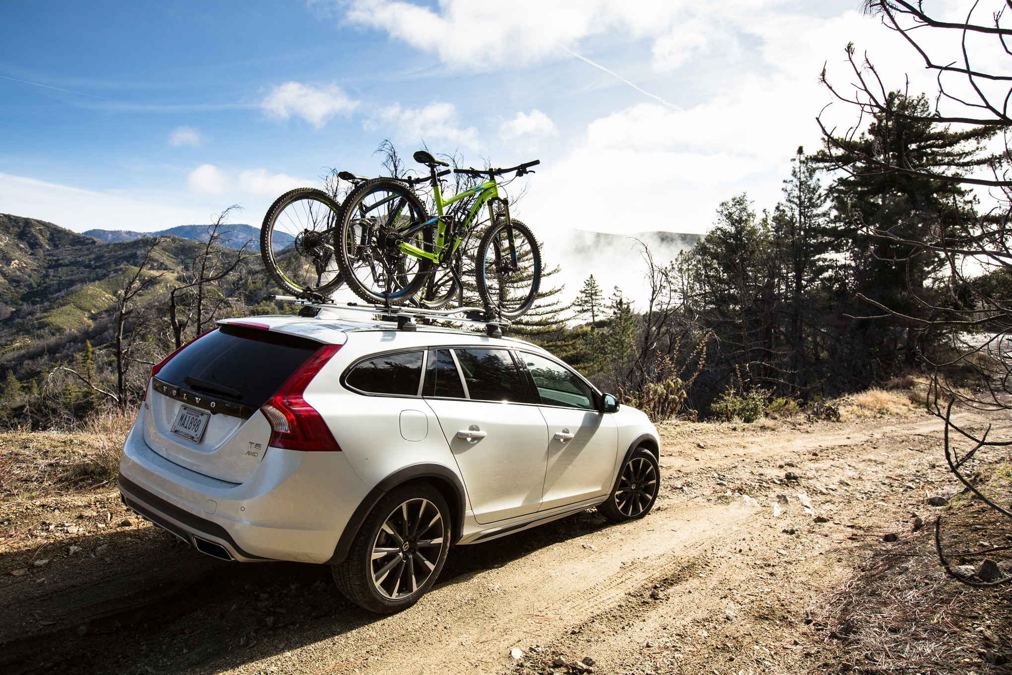2016 volvo v60 cross country review. Black Bedroom Furniture Sets. Home Design Ideas