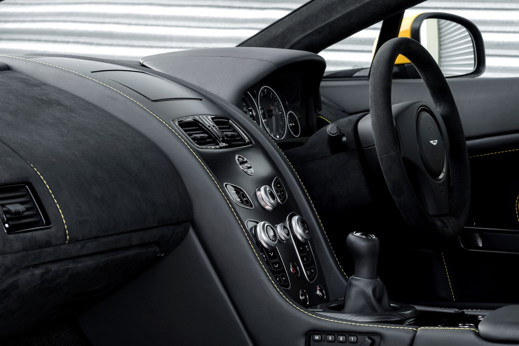 The 2017 Aston Martin V12 Vantage S Will Offer a 7-Speed ...