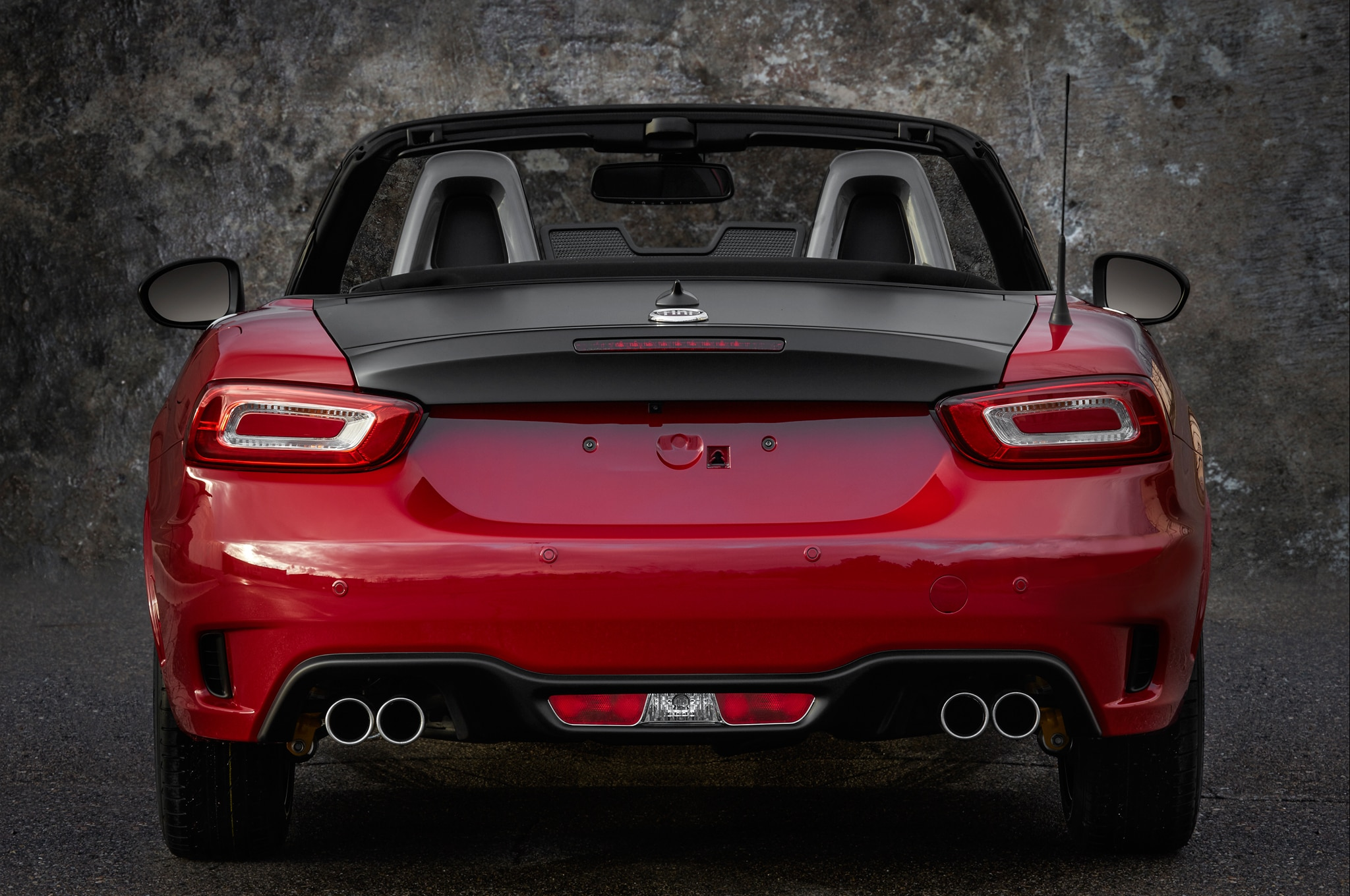 2017 fiat 124 spider pricing starts at 25 990 automobile magazine. Black Bedroom Furniture Sets. Home Design Ideas