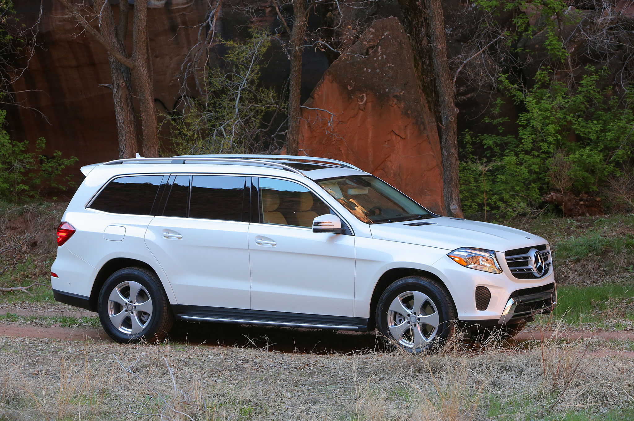 Used 2017 mercedes benz gls 550 for sale near me cars com for Mercedes benz of arrowhead reviews