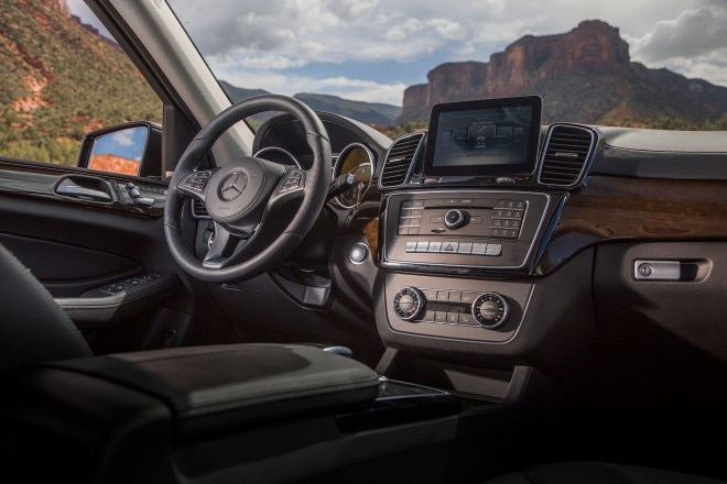 2017 Mercedes Benz GLS550 4Matic cabin