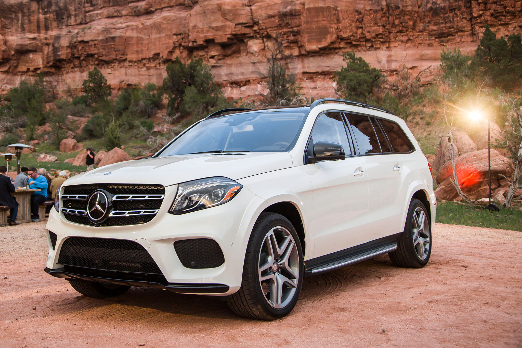 2017 mercedes benz gls class review for Mercedes benz 2017