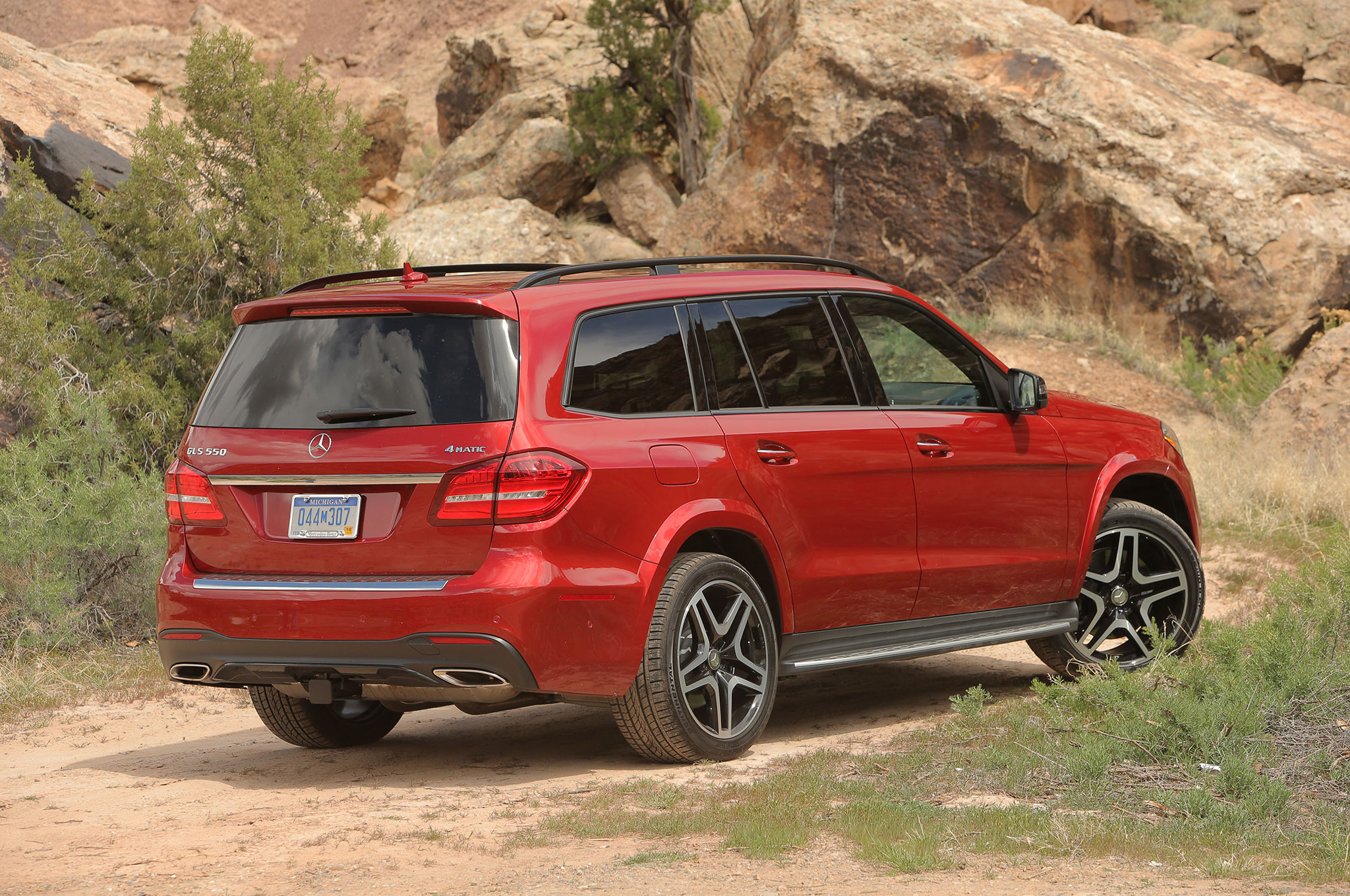 2017 mercedes benz gls class review. Black Bedroom Furniture Sets. Home Design Ideas