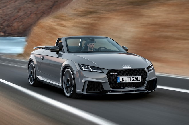 Audi TT RS Coupe Convertible Charge Into Beijing With HP - Sports cars 394