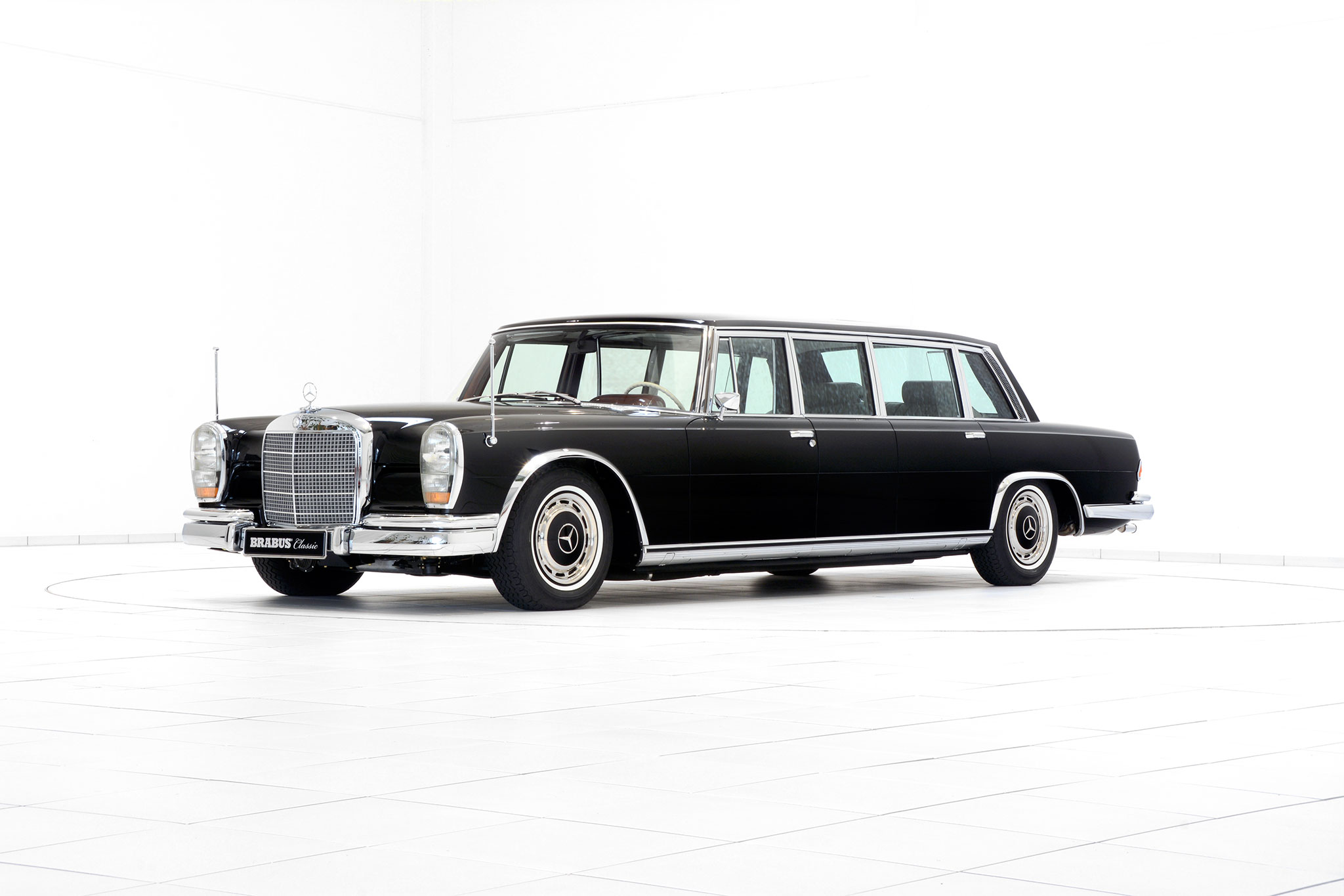 Brabus promotes classic services with restored mercedes for Mercedes benz pullman