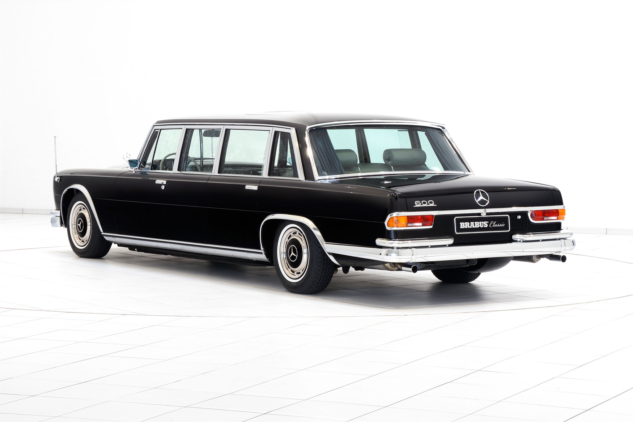 Brabus promotes classic services with restored mercedes for Mercedes benz classic cars