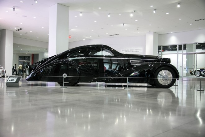 features \u2013 automobile magazinethe round door rolls