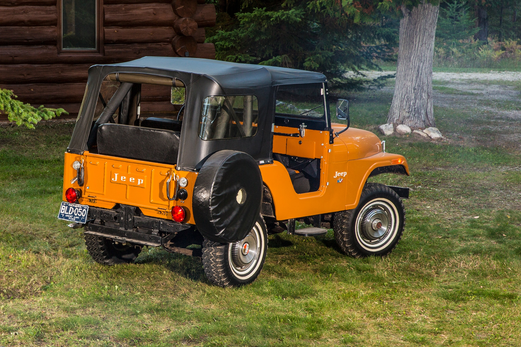 a history of the development of the jeep and its features History research original willys jeep view when sir henry austin of england formed the american austin car company and began development of a tiny car for.